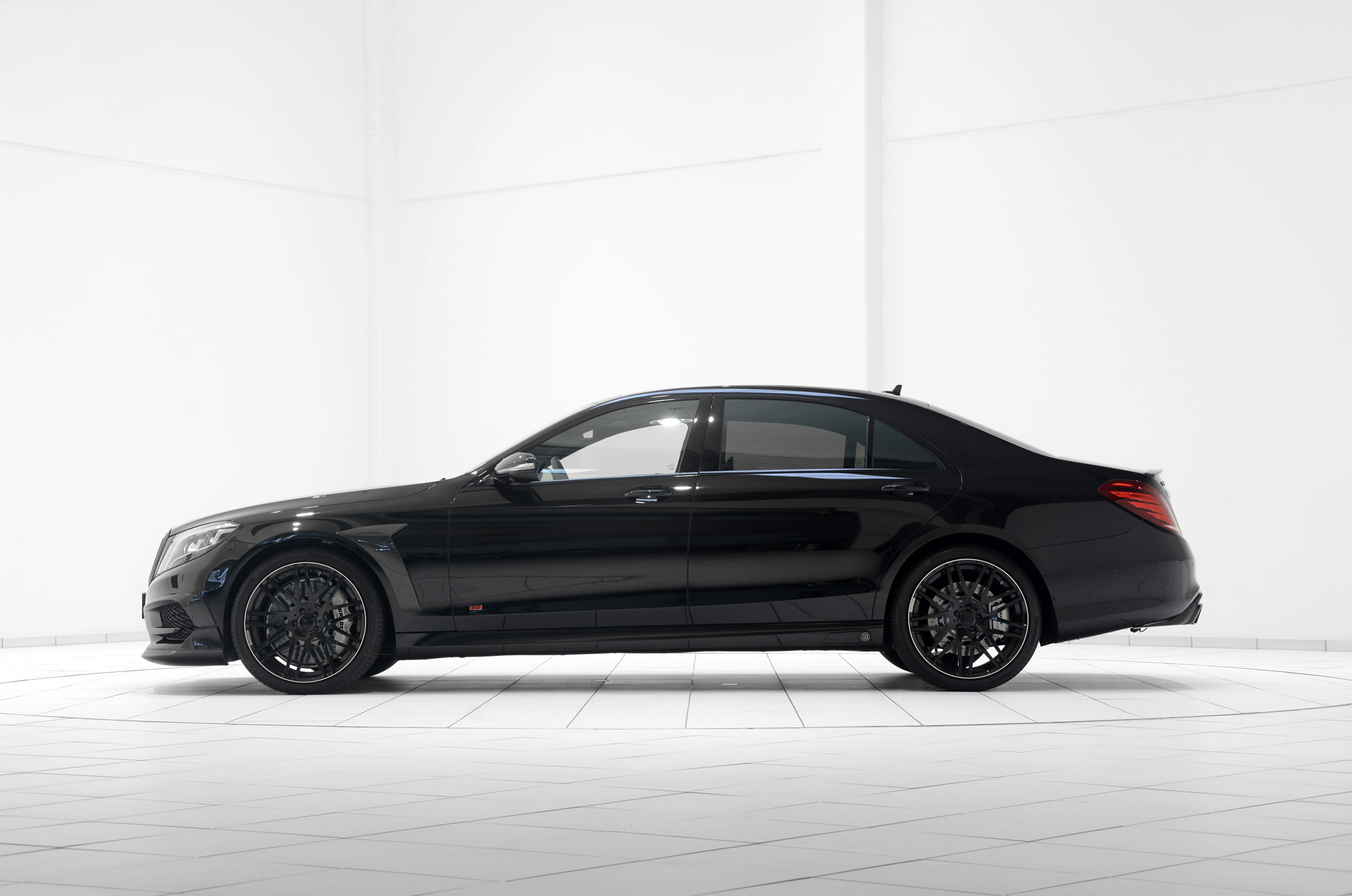 Brabus 850 s based on 2014 mercedes benz s 63 amg for 2014 mercedes benz s63 amg for sale