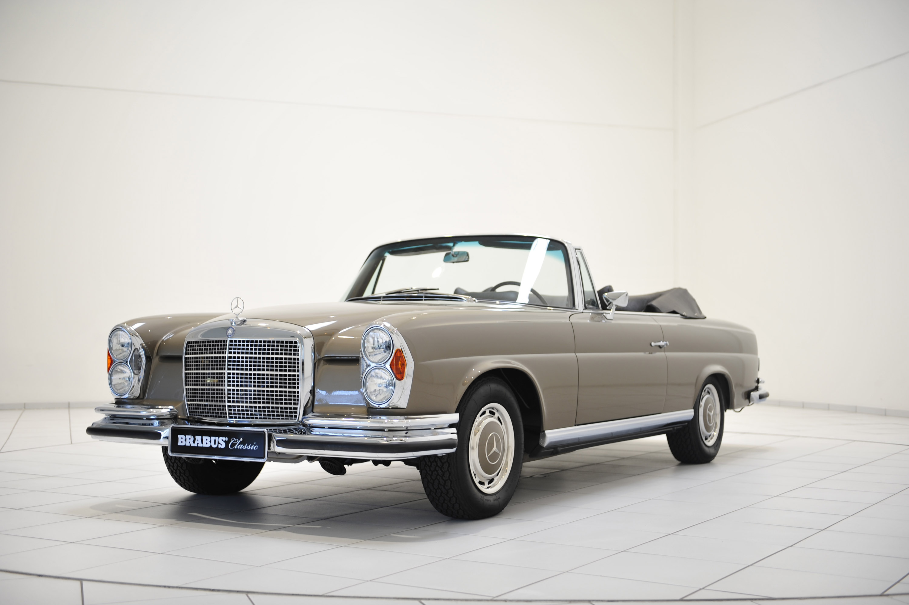 brabus classic mercedes 280 se cabriolet w111 picture 104976. Black Bedroom Furniture Sets. Home Design Ideas