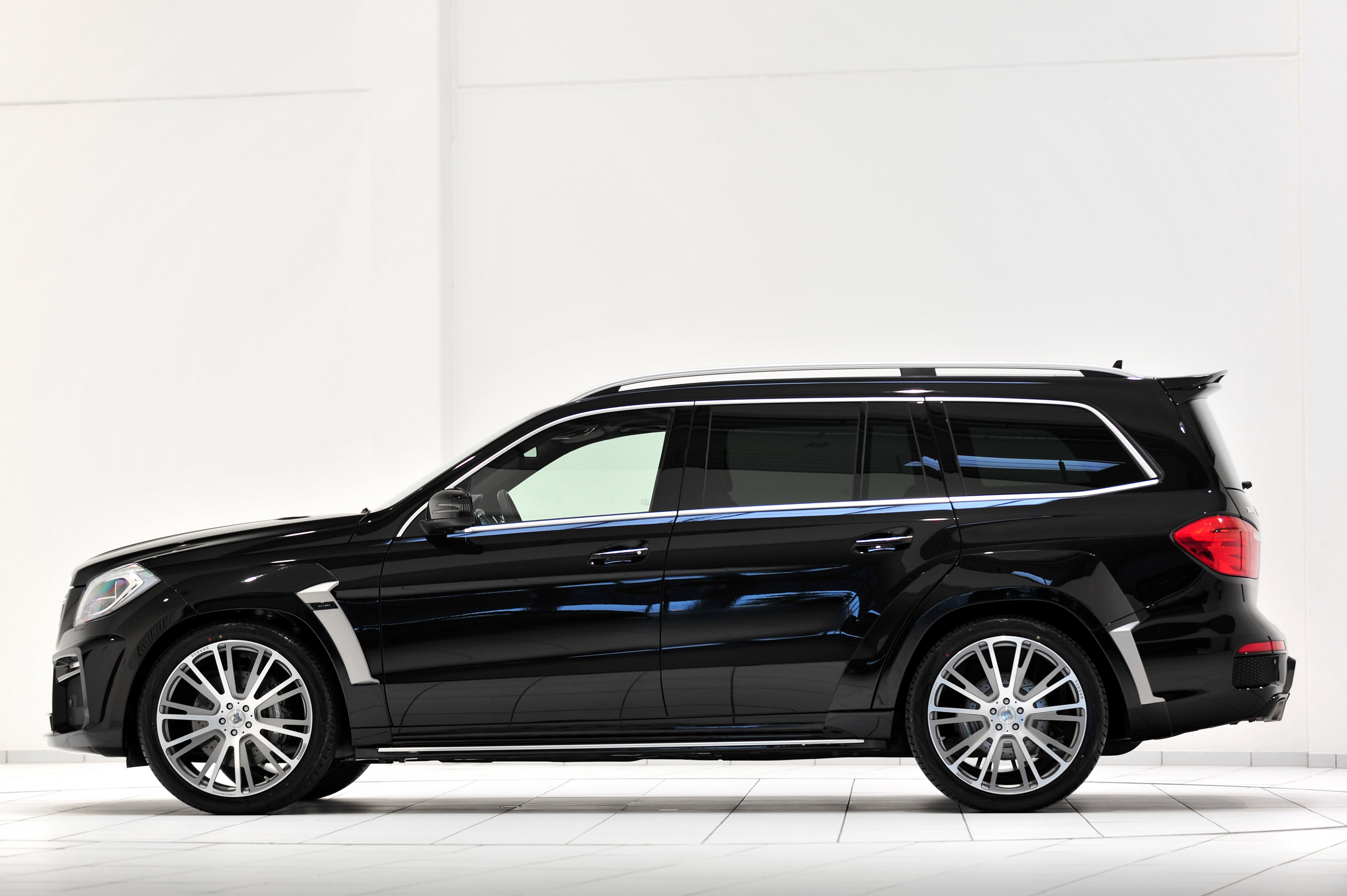 2014 Mercedes-Benz GL 63 AMG Review - GTspirit