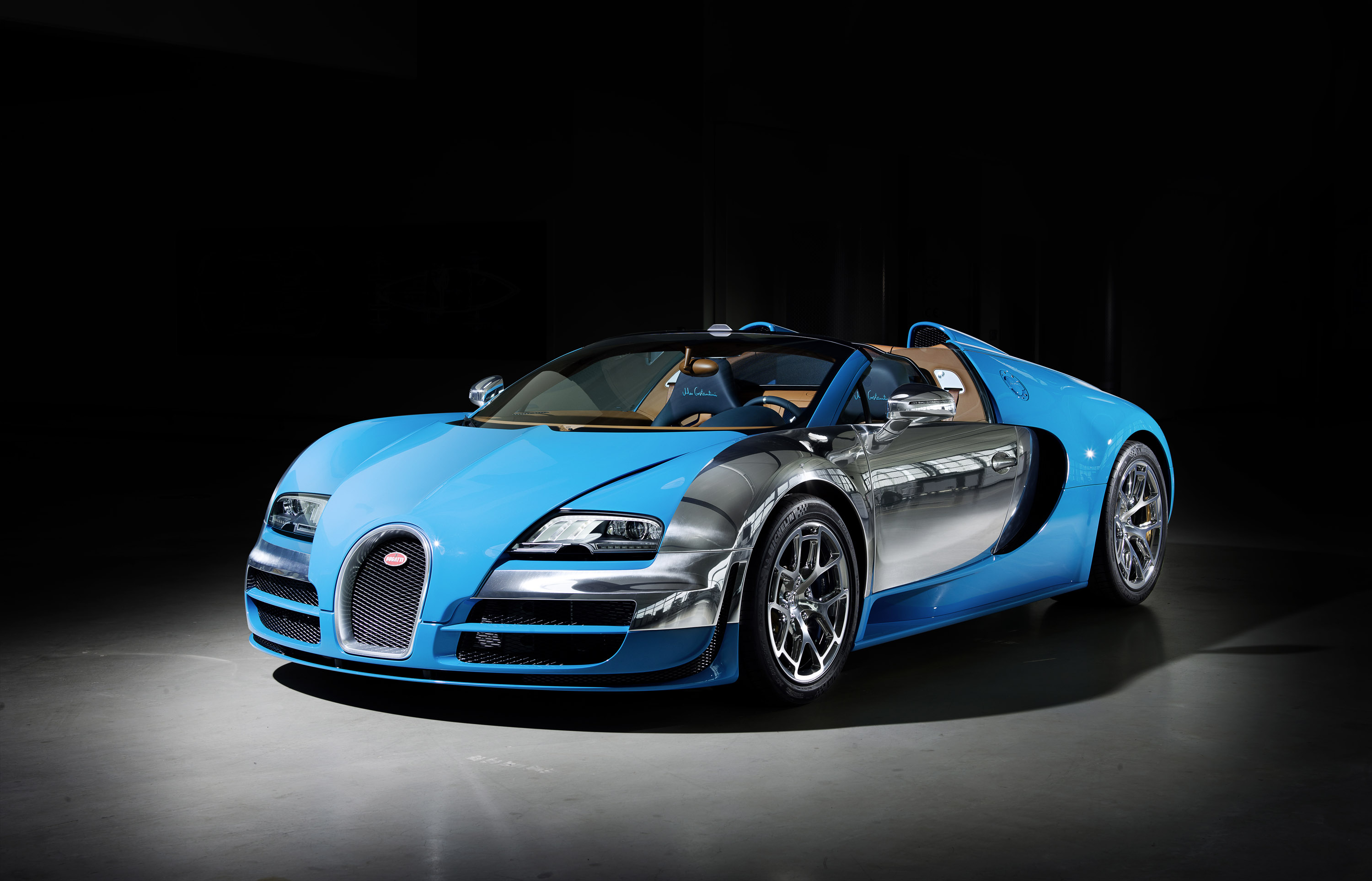 bugatti veyron 16 4 grand sport vitesse meo costantini at 2013 dubai international motor show. Black Bedroom Furniture Sets. Home Design Ideas