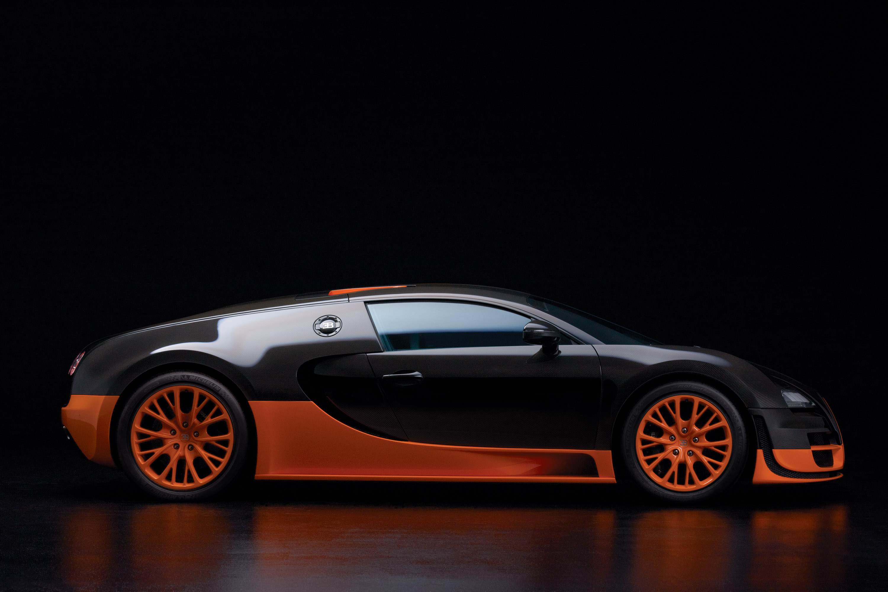 bugatti veyron super sport review video. Black Bedroom Furniture Sets. Home Design Ideas