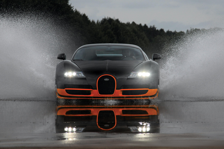 bugatti veyron super sport set a record on top gear test track. Black Bedroom Furniture Sets. Home Design Ideas