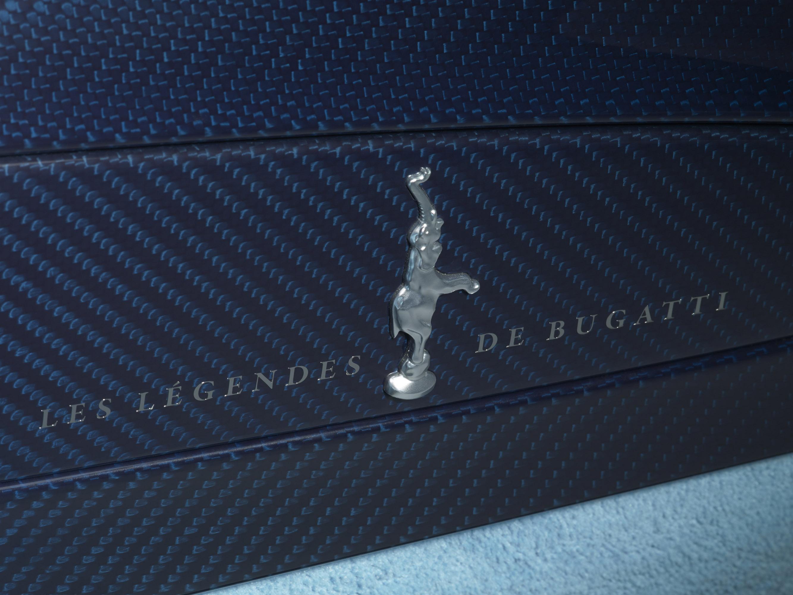 bugatti-veyron-grand-sport-vitesse-jean-pierre-wimille-edition-15 Remarkable Bugatti Veyron Grand Sport Vitesse Black and Blue Cars Trend