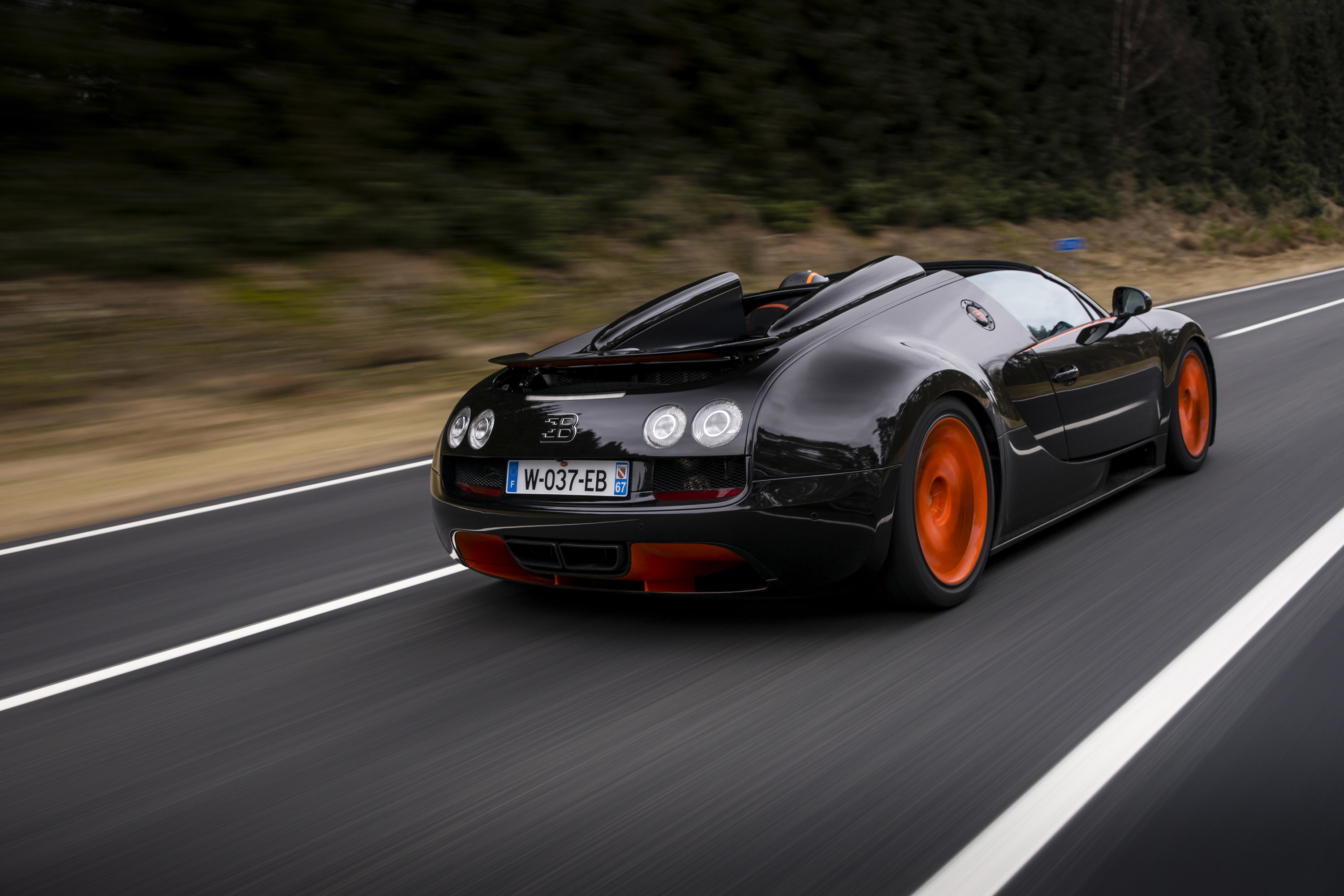 bugatti-veyron-grand-sport-vitesse-world-record-car-edition-05 Cozy Bugatti Veyron Grand Sport Vitesse Engine Cars Trend
