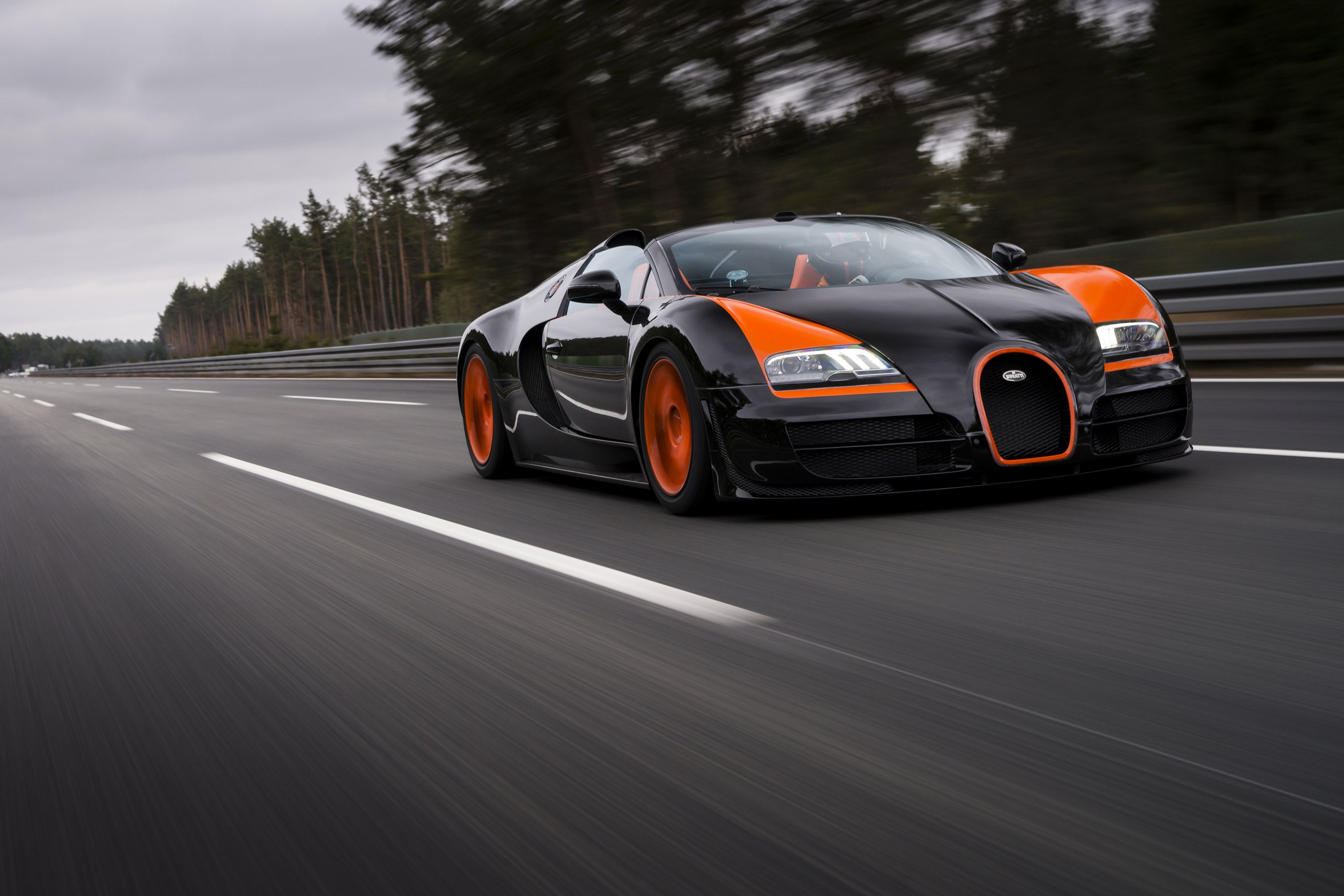 bugatti-veyron-grand-sport-vitesse-world-record-car-edition-10 Extraordinary Bugatti Veyron Grand Sport Vitesse Specs Cars Trend