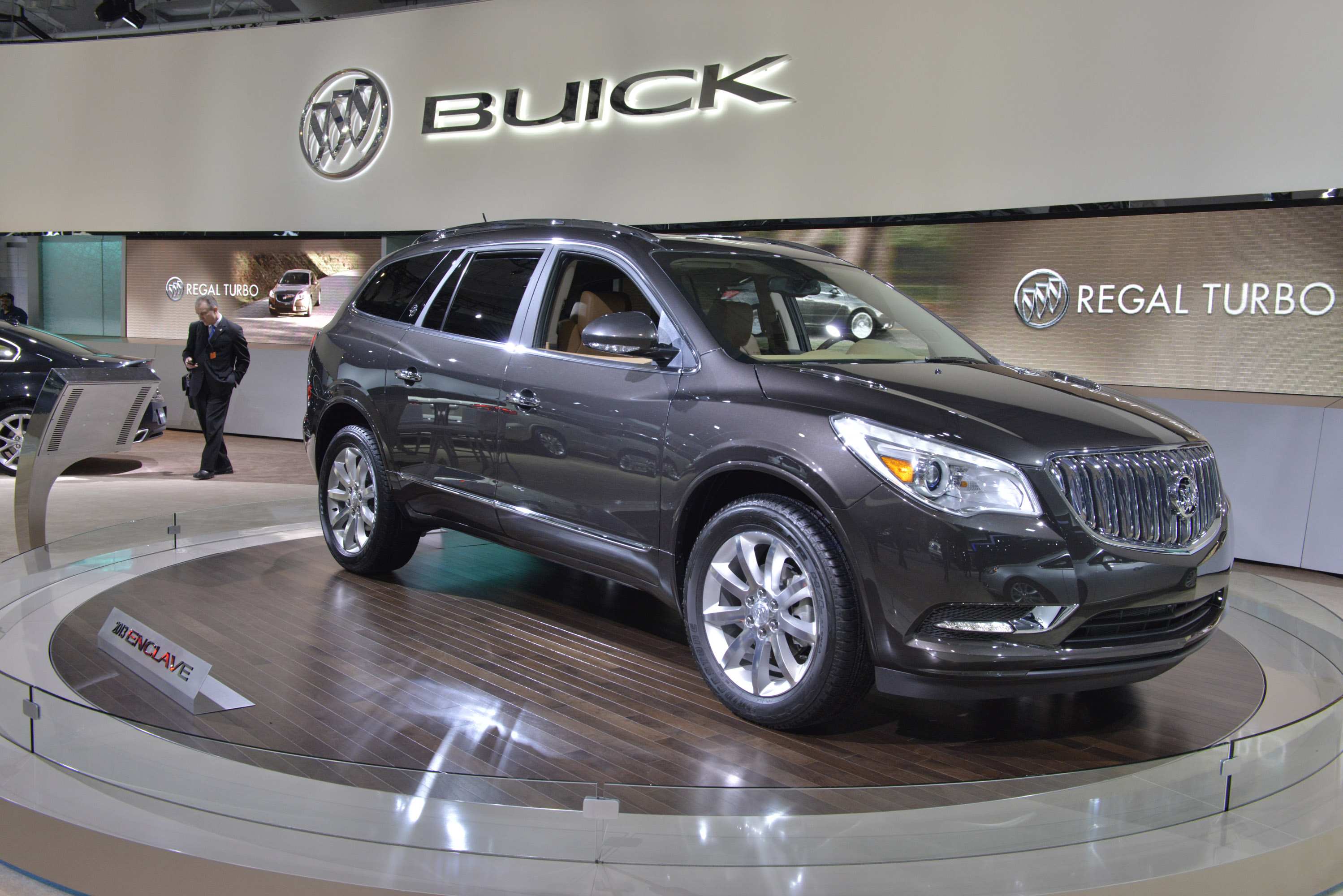 buick enclave new york 2012 picture 67730. Black Bedroom Furniture Sets. Home Design Ideas