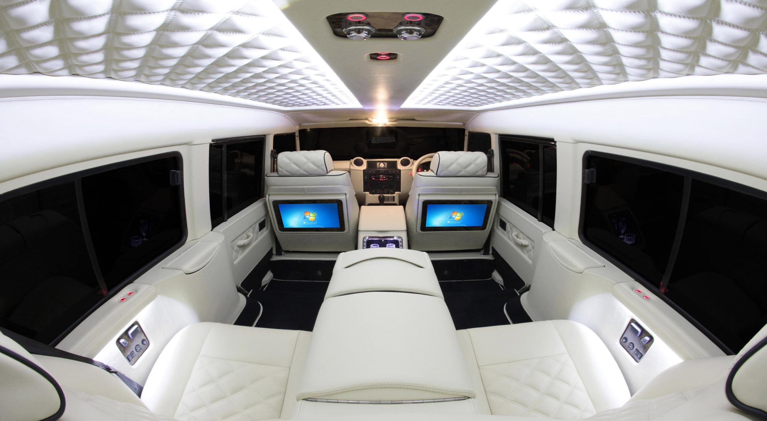 Carisma Auto Design Enhances The Interior Of Land Rover ...
