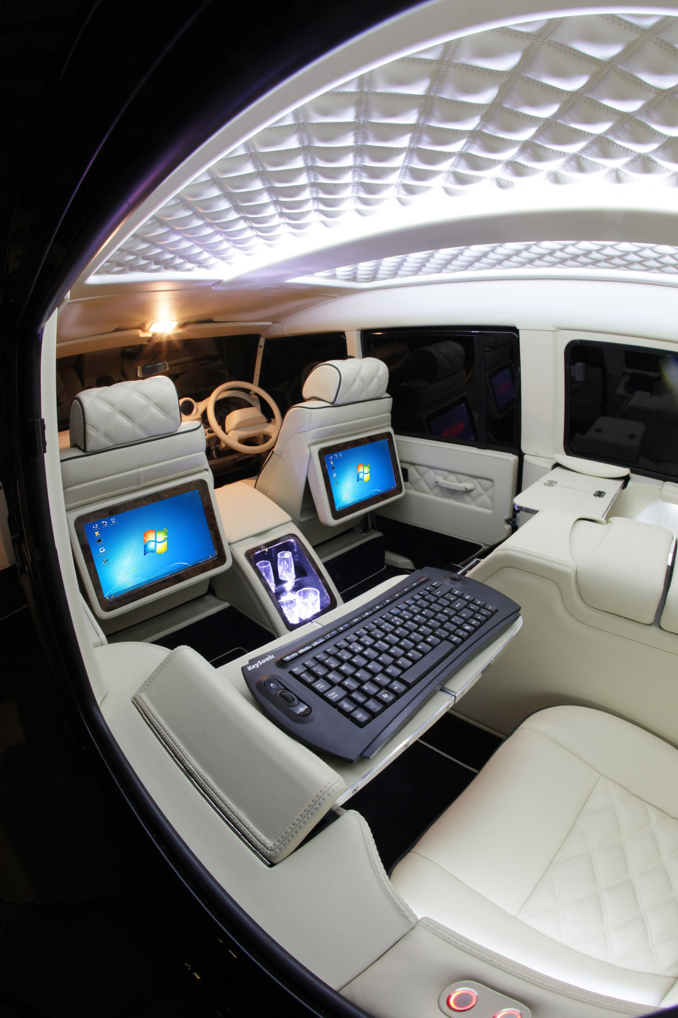 carisma auto design enhances the interior of land rover defender. Black Bedroom Furniture Sets. Home Design Ideas