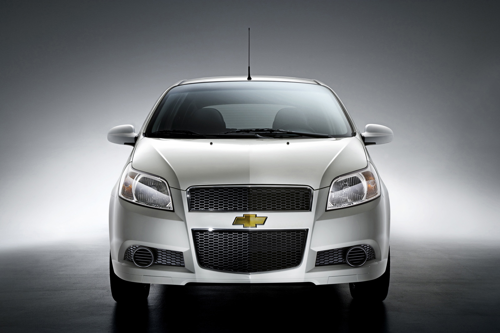 2009 Chevrolet Aveo / Aveo5 – Review – Car and Driver