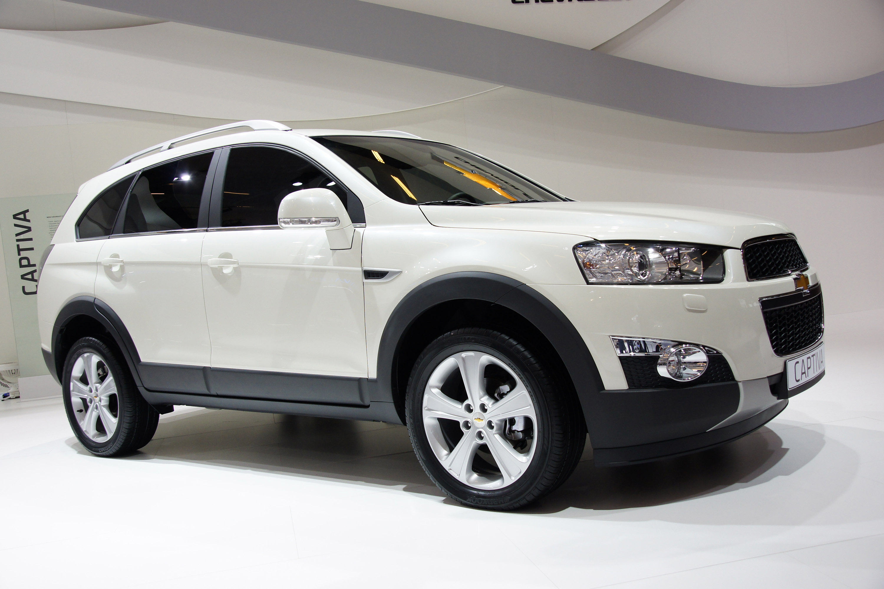 Chevrolet captiva paris