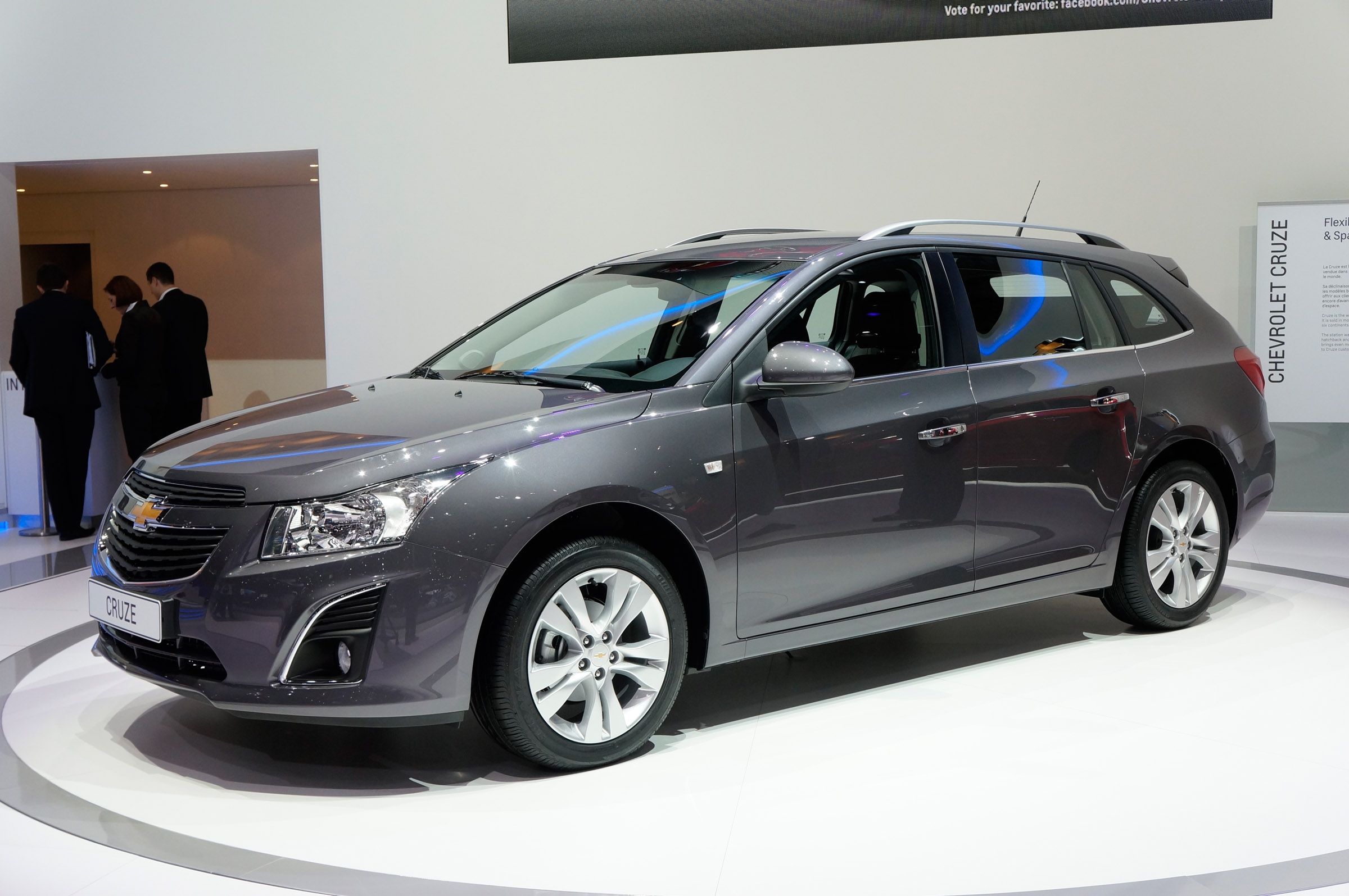 2012 geneva motor show chevrolet cruze station wagon. Black Bedroom Furniture Sets. Home Design Ideas