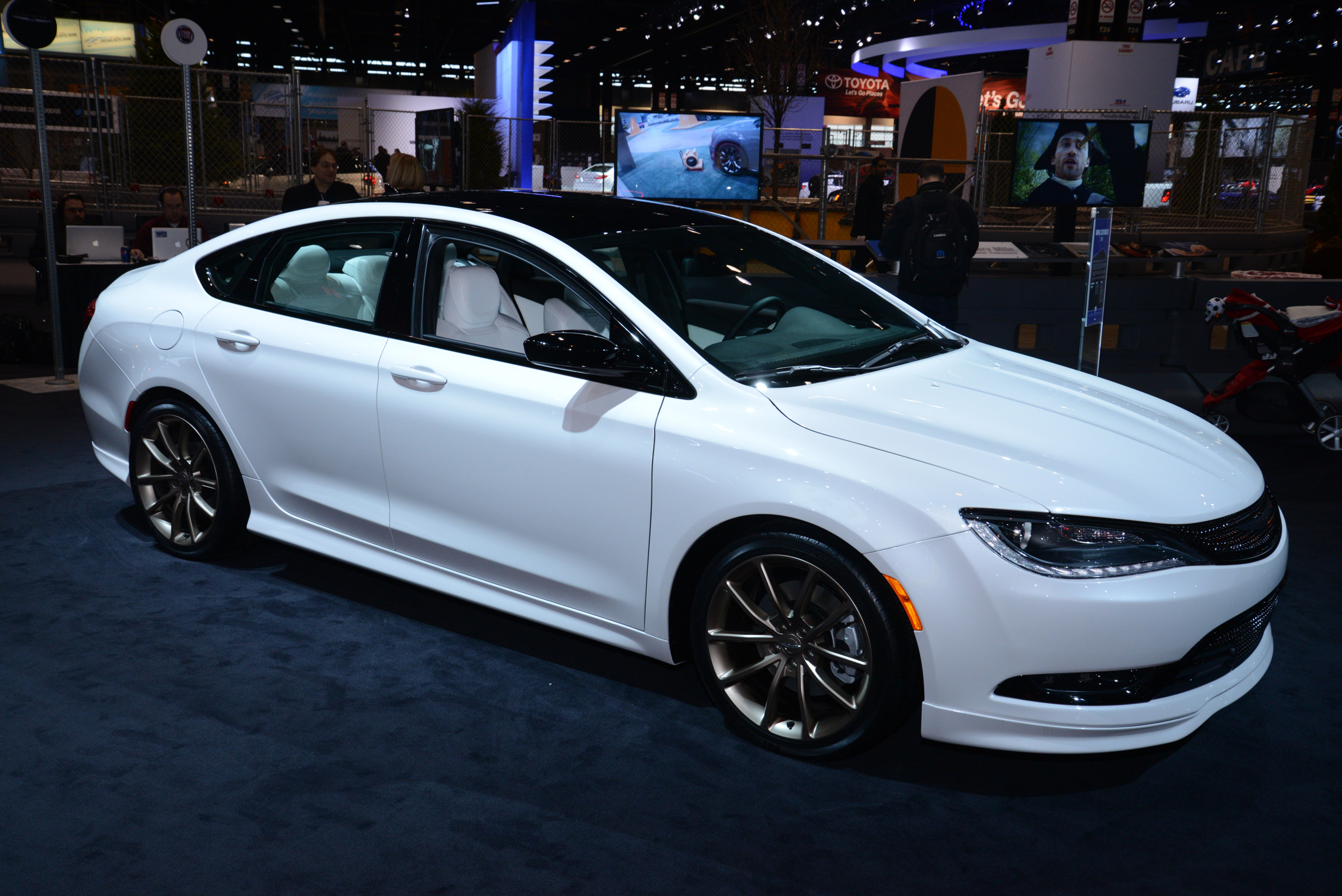 Chrysler 200s Chicago 2014 Picture 96116