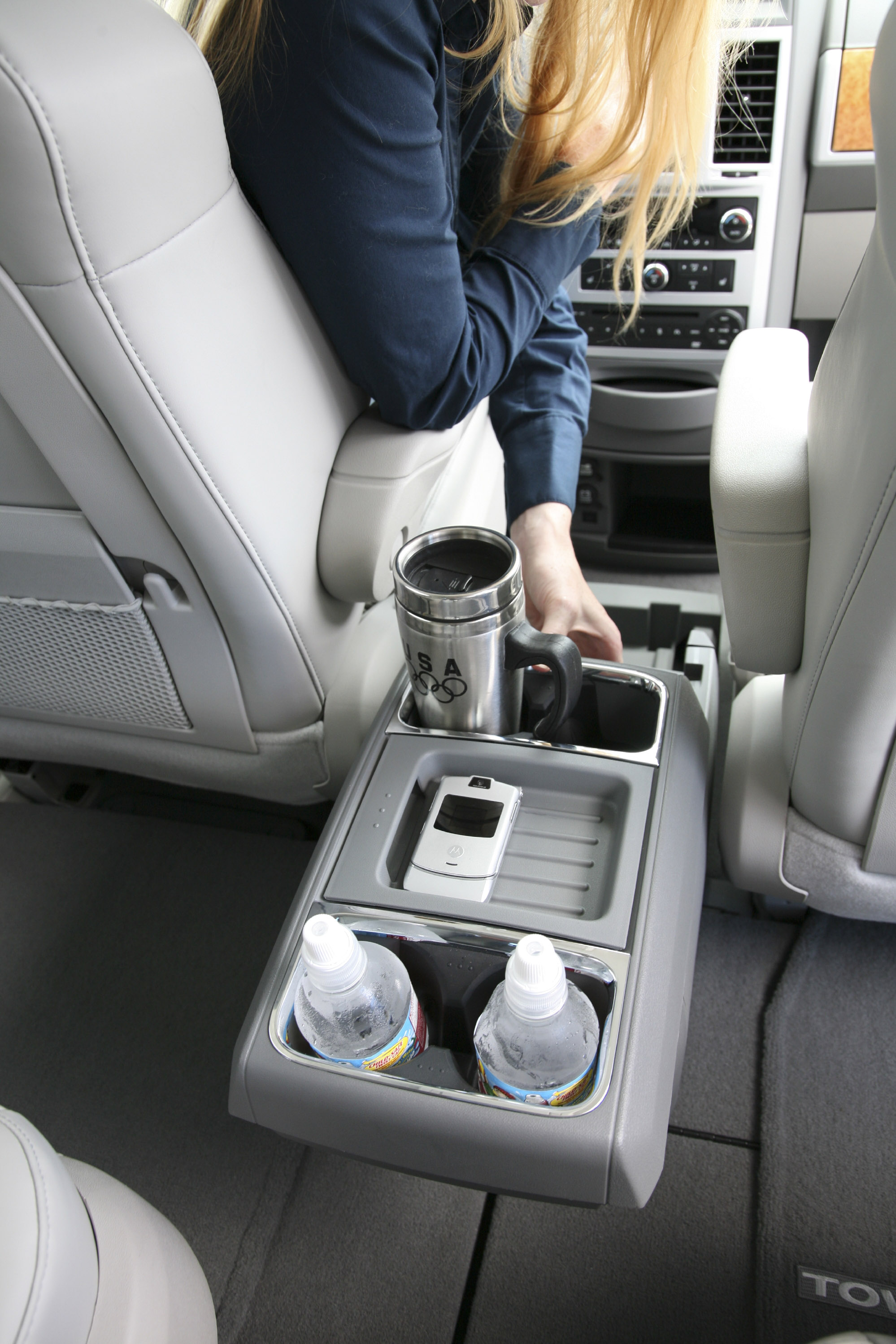 All New 2008 Chrysler Town Amp Country Wins Ward S Interior