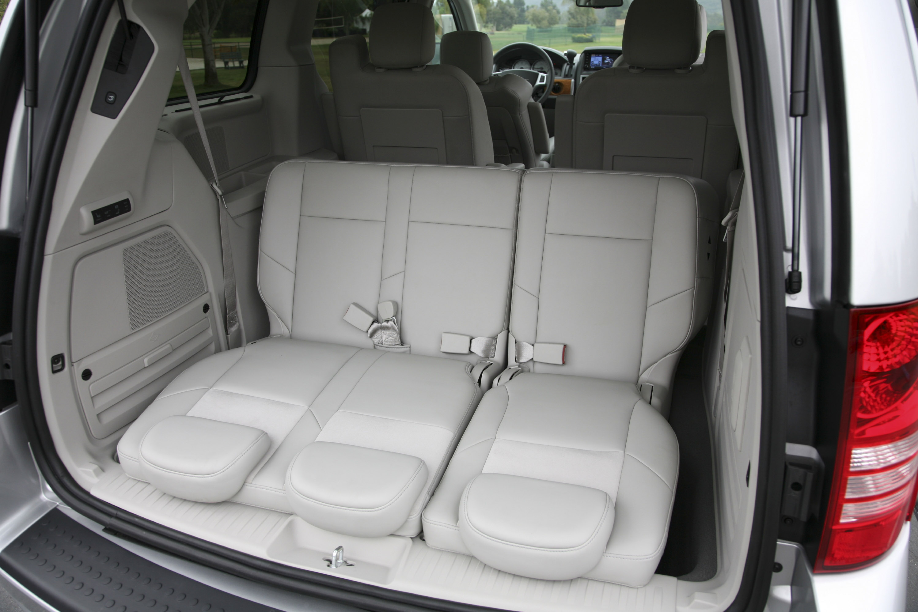 Town And Country Minivan Interior New Used Car Reviews 2020
