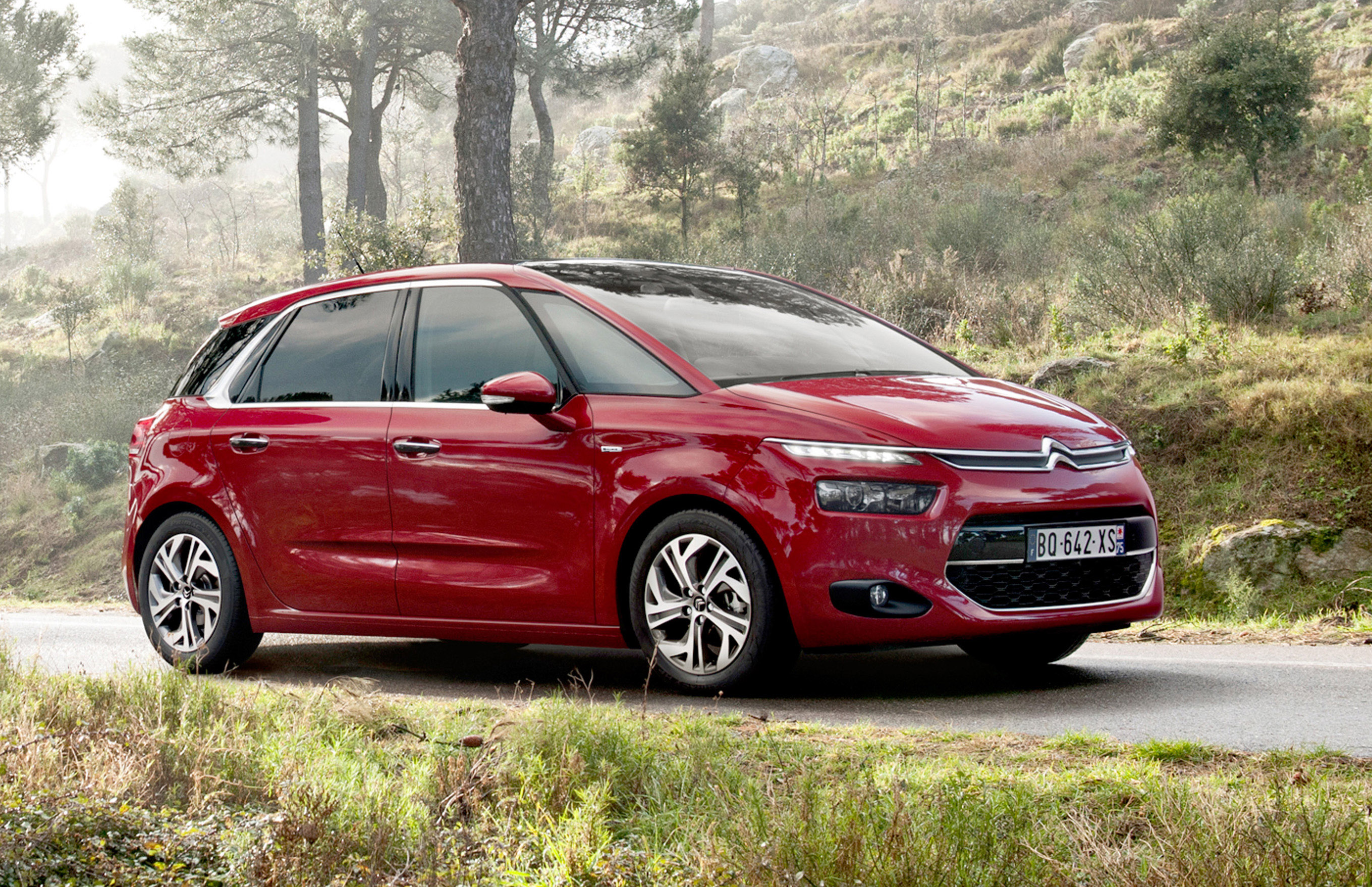 2014 citroen c4 picasso technospace revealed. Black Bedroom Furniture Sets. Home Design Ideas