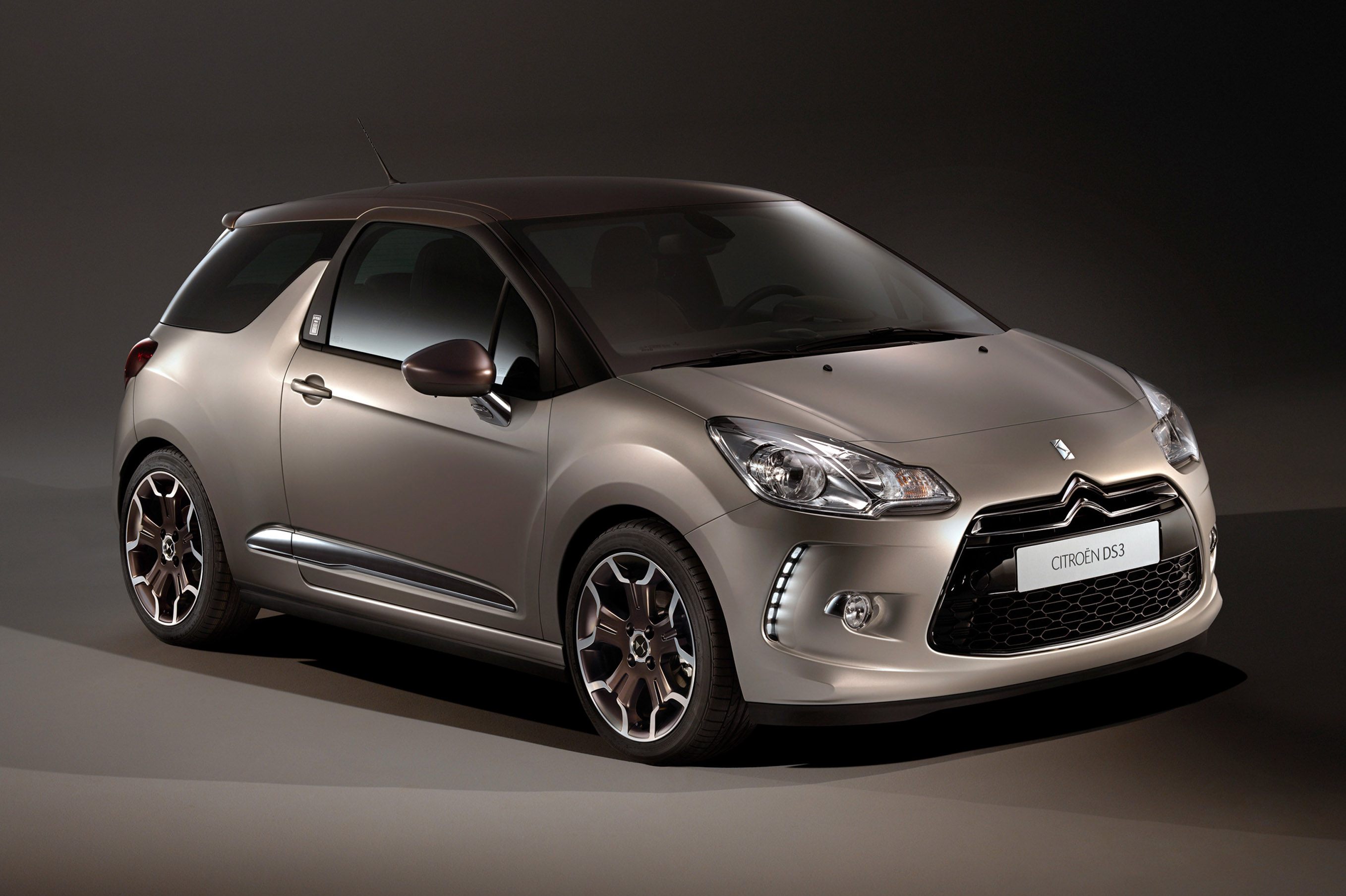 citroen introduces ds3 ds world paris. Black Bedroom Furniture Sets. Home Design Ideas