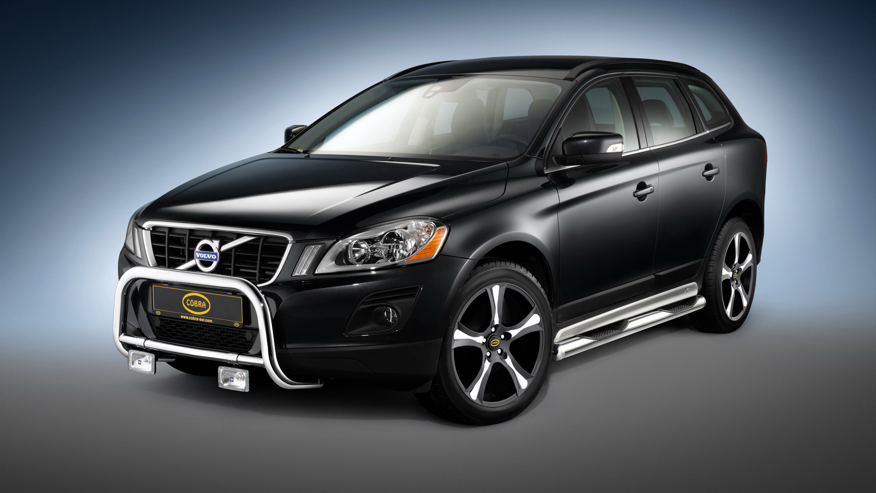 Volvo Xc With Energy Absorbing Cobra Technology Lifestyle Front Guard Sill Tubes And Cobra Torino Inox Wheels