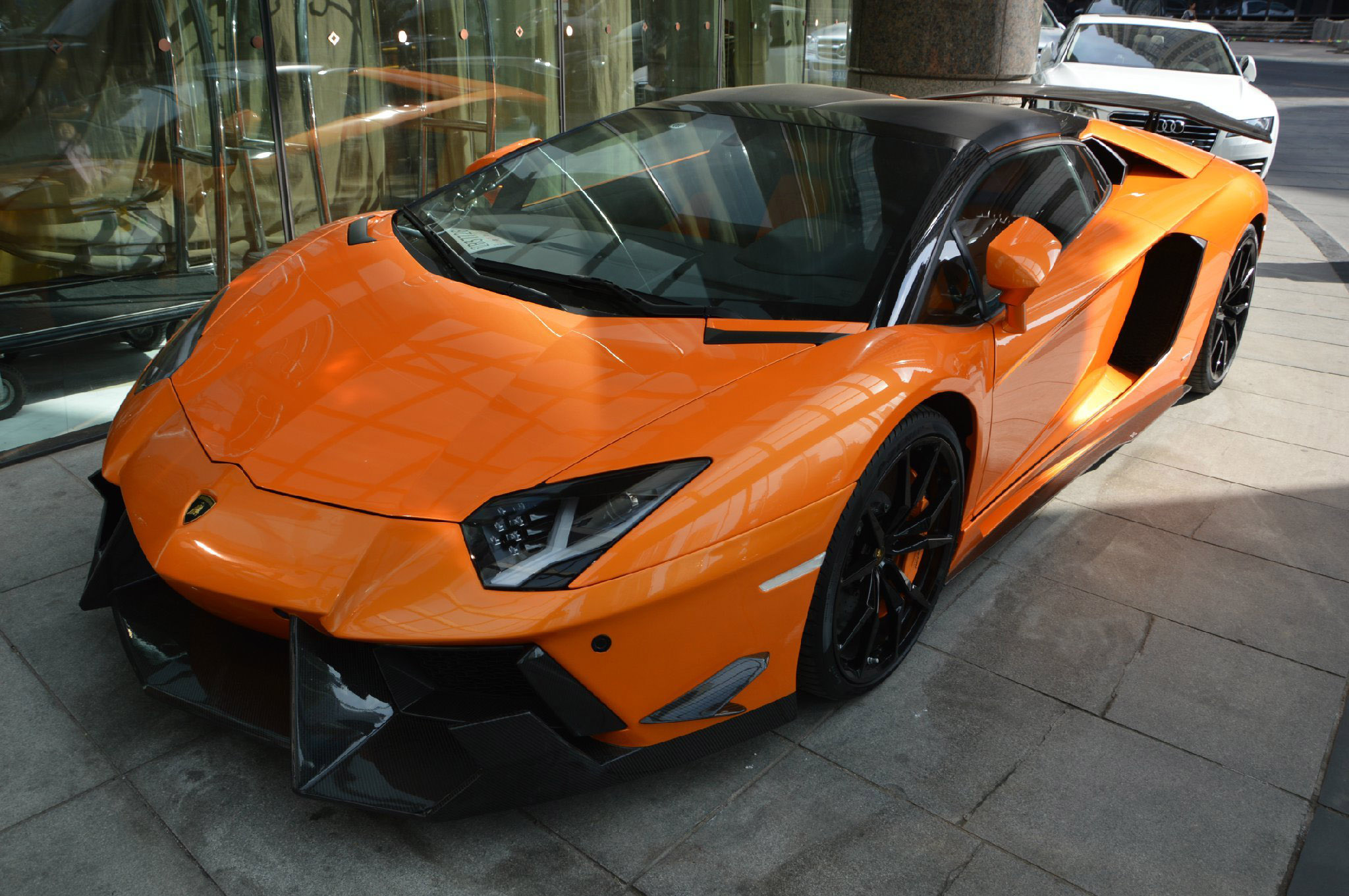 Dmc Shows Tuned Lamborghini Aventador Lp700 4 Roadster Sv