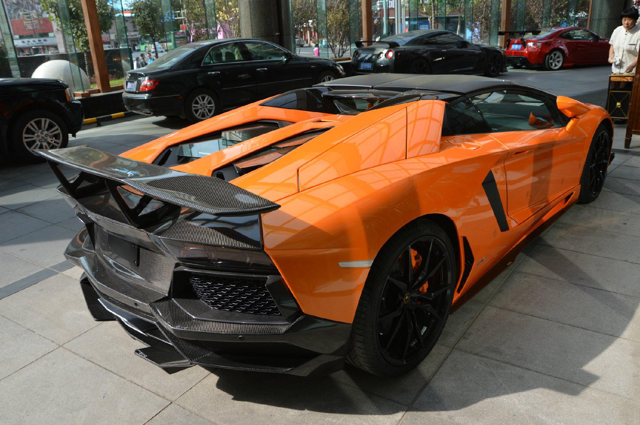 Dmc Shows Tuned Lamborghini Aventador Lp700 4 Roadster Sv