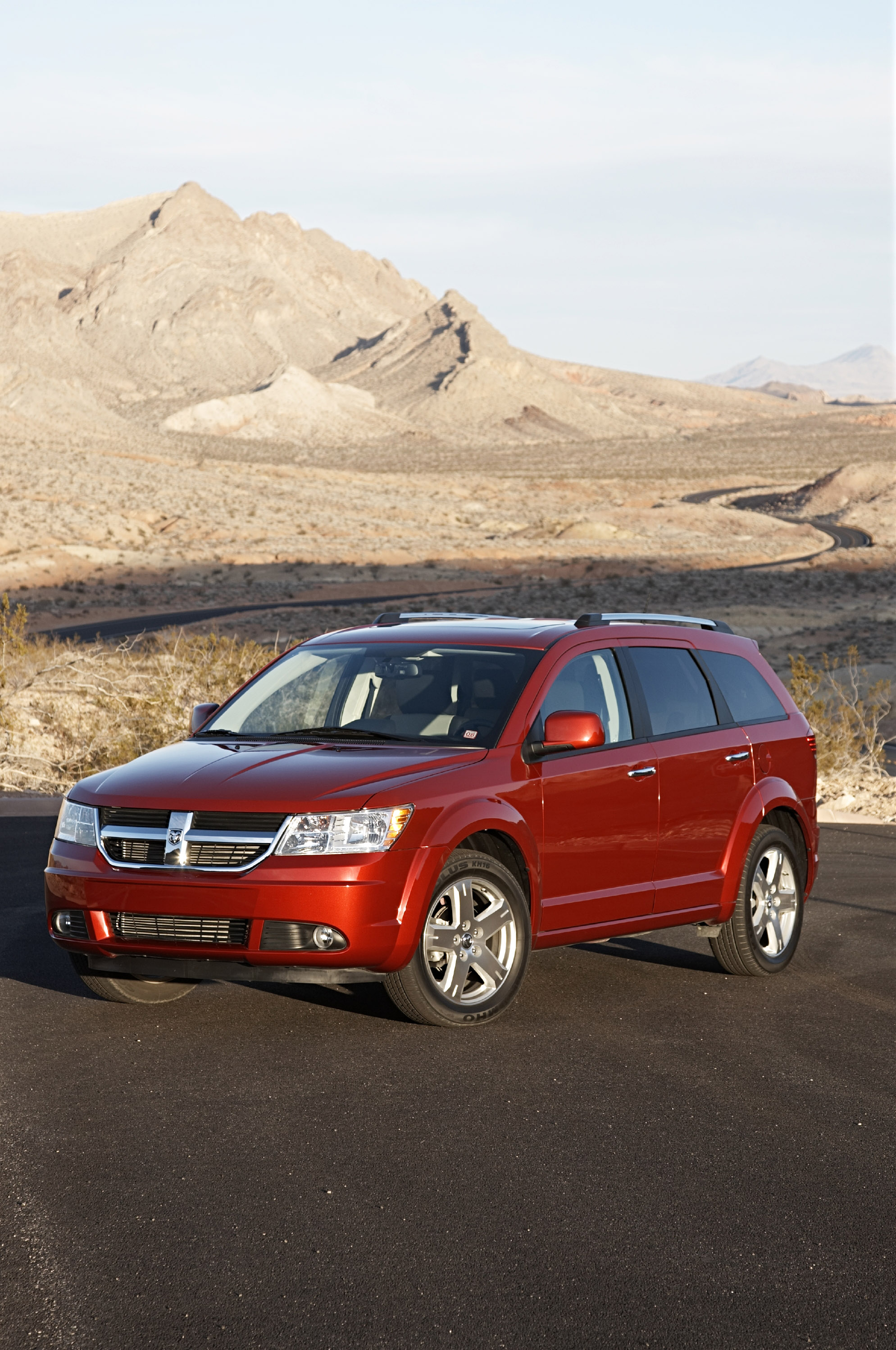 "All-new 2009 Dodge journey crossover wins ward's ""clever ..."