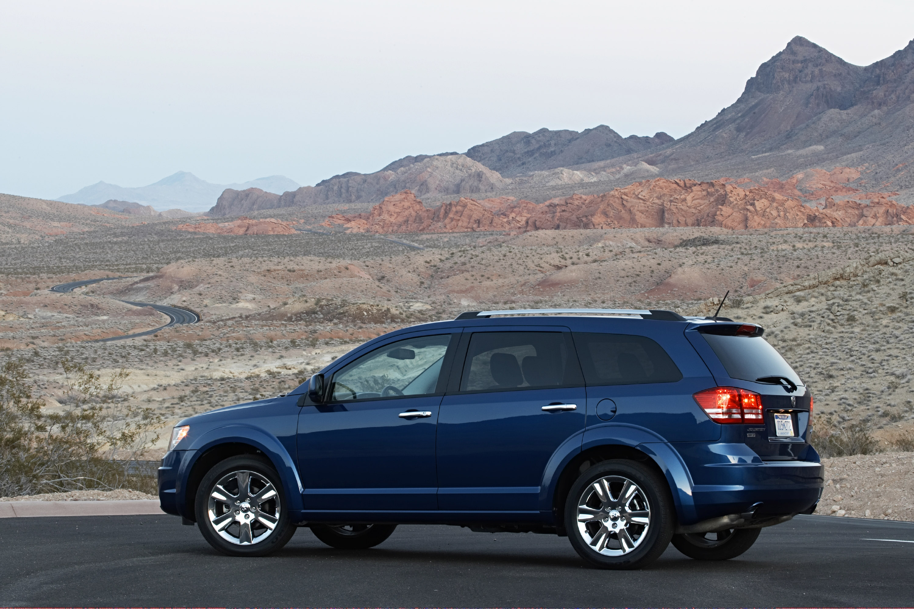 """All-new 2009 Dodge journey crossover wins ward's """"clever ..."""