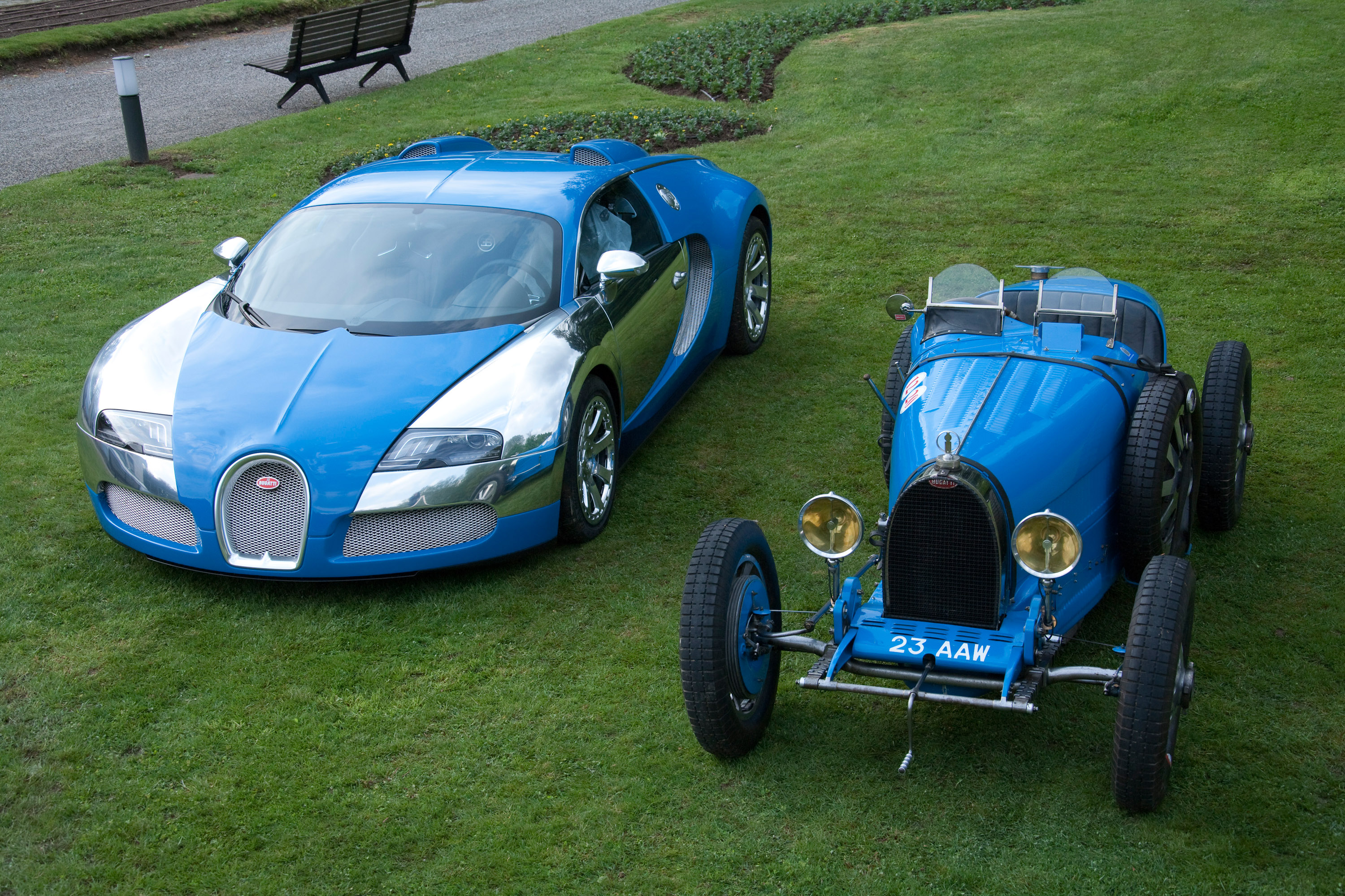 bugatti veyrons and type 35 grand prix picture 19735. Black Bedroom Furniture Sets. Home Design Ideas