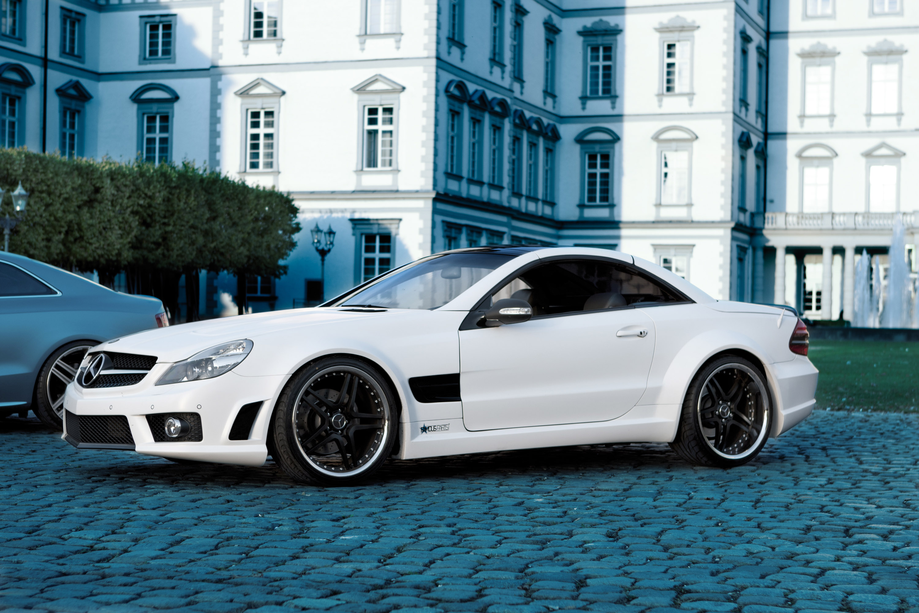 Famous parts adss more distinctiveness to mercedes benz sl500 for Mercedes benz 500sl parts