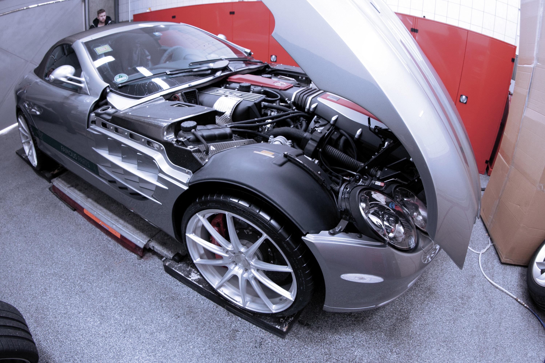 Famous parts have a mercedes benz slr mclaren roadster for Performance parts for mercedes benz