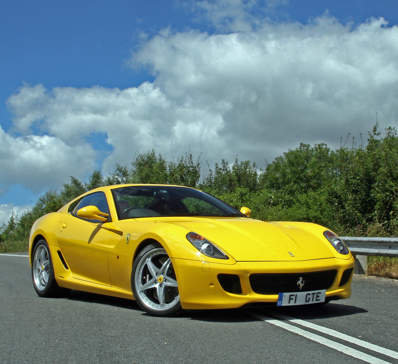 Желтые машины спорт фото 5