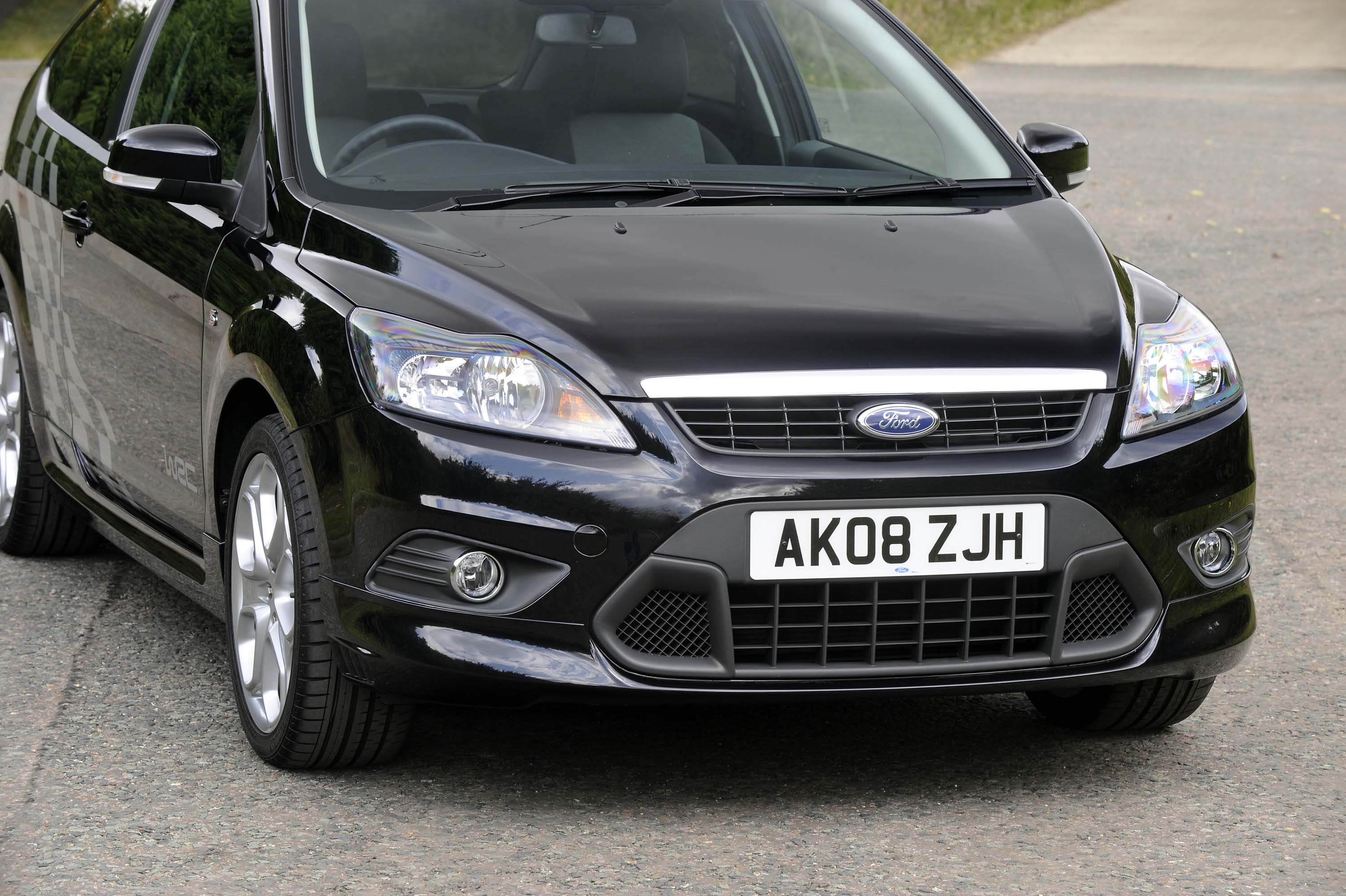 ford adds new sporty zetec s to focus range. Black Bedroom Furniture Sets. Home Design Ideas