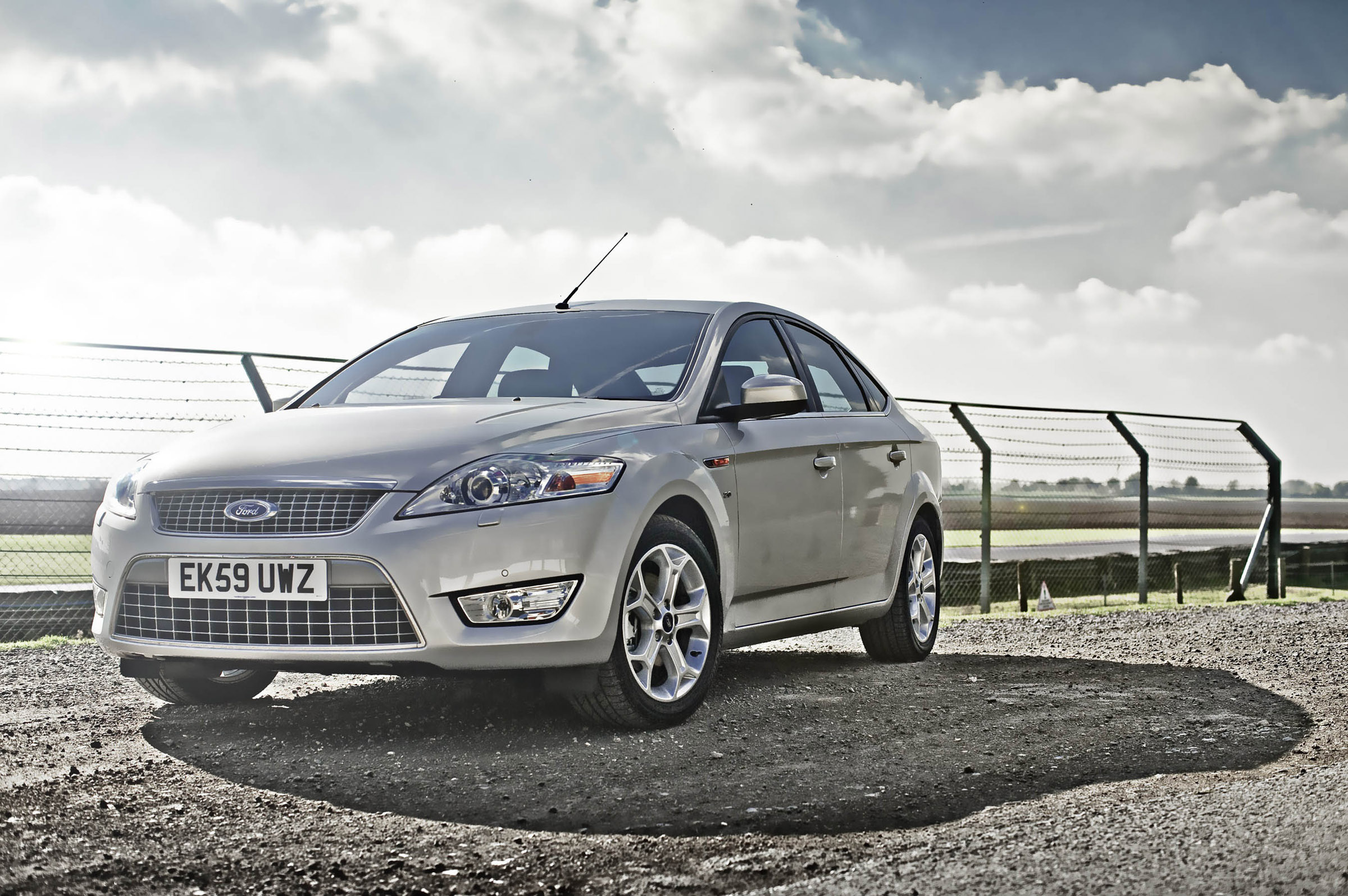 ford mondeo titanium with econetic technologies. Black Bedroom Furniture Sets. Home Design Ideas