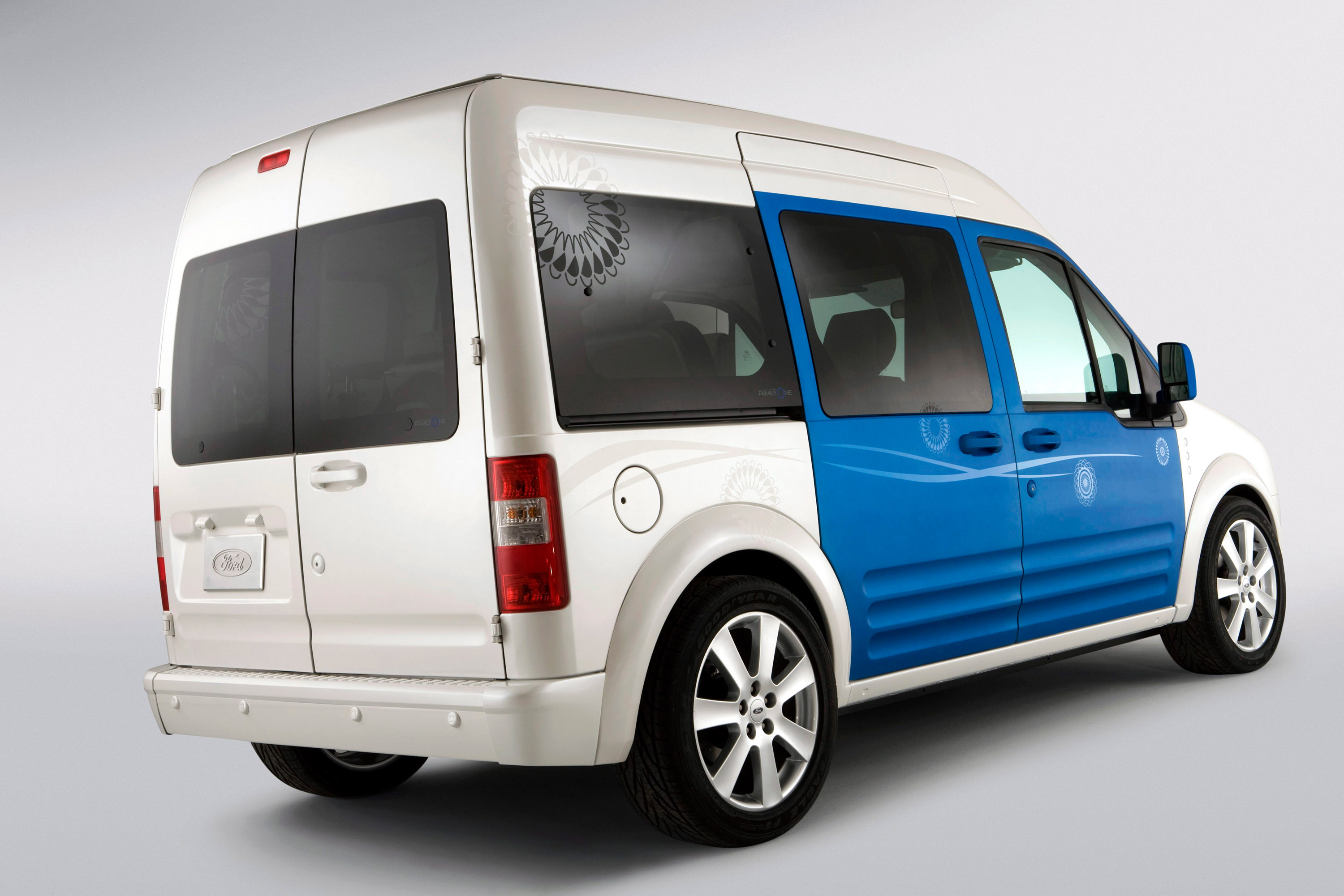 ford tourneo connect tuning chic tuning ford tourneo. Black Bedroom Furniture Sets. Home Design Ideas