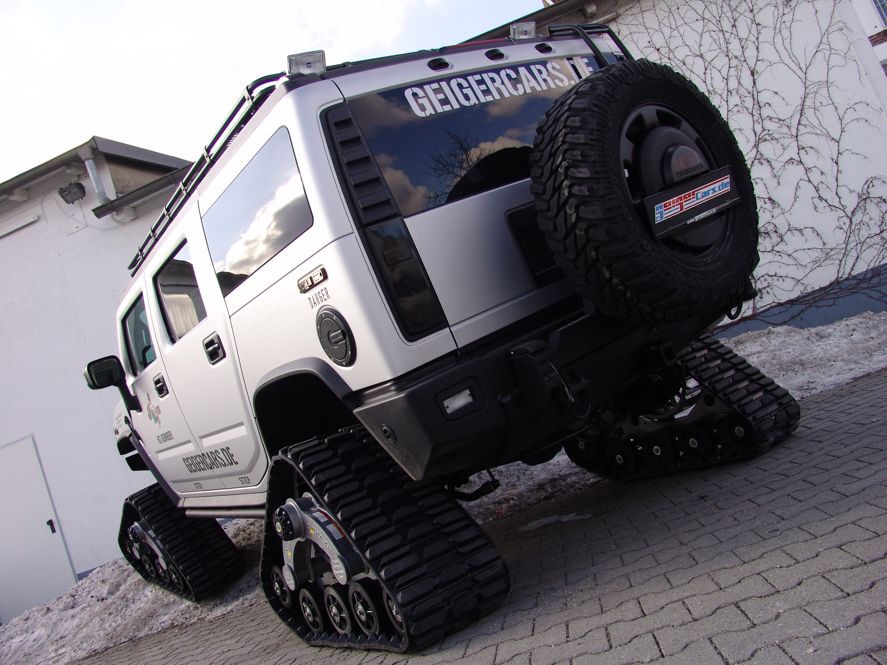 GeigerCars Hummer H2 Bomber 2010  HD Pictures  Automobilesreview