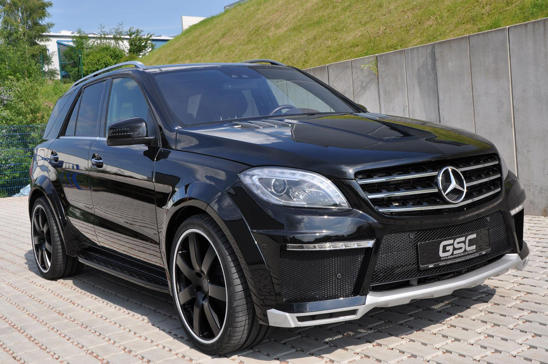 German special customs 2013 mercedes benz ml widebody kit for Mercedes benz ml price