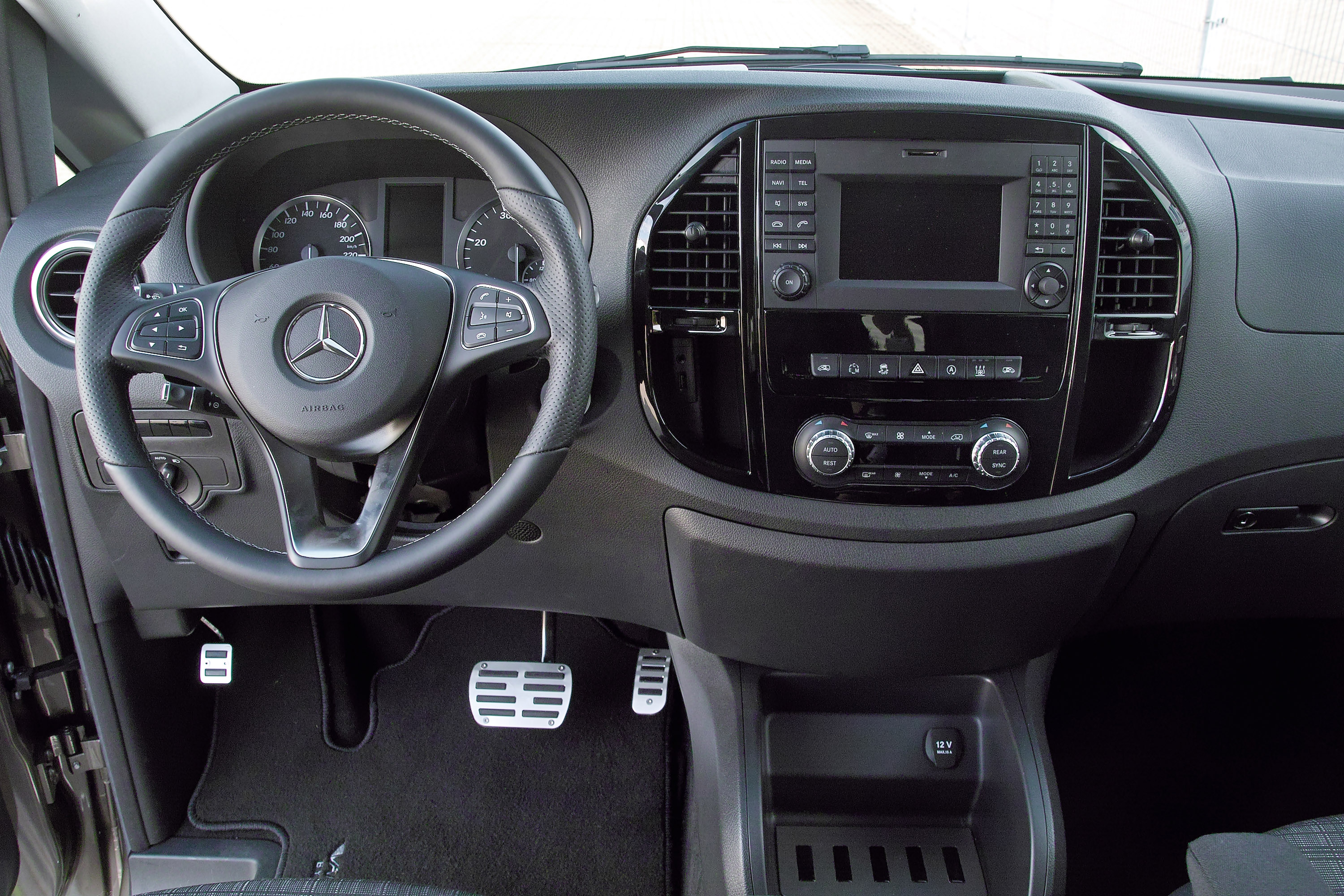 Mercedes vito upgraded by hartmann tuning for Auto interieur tuning