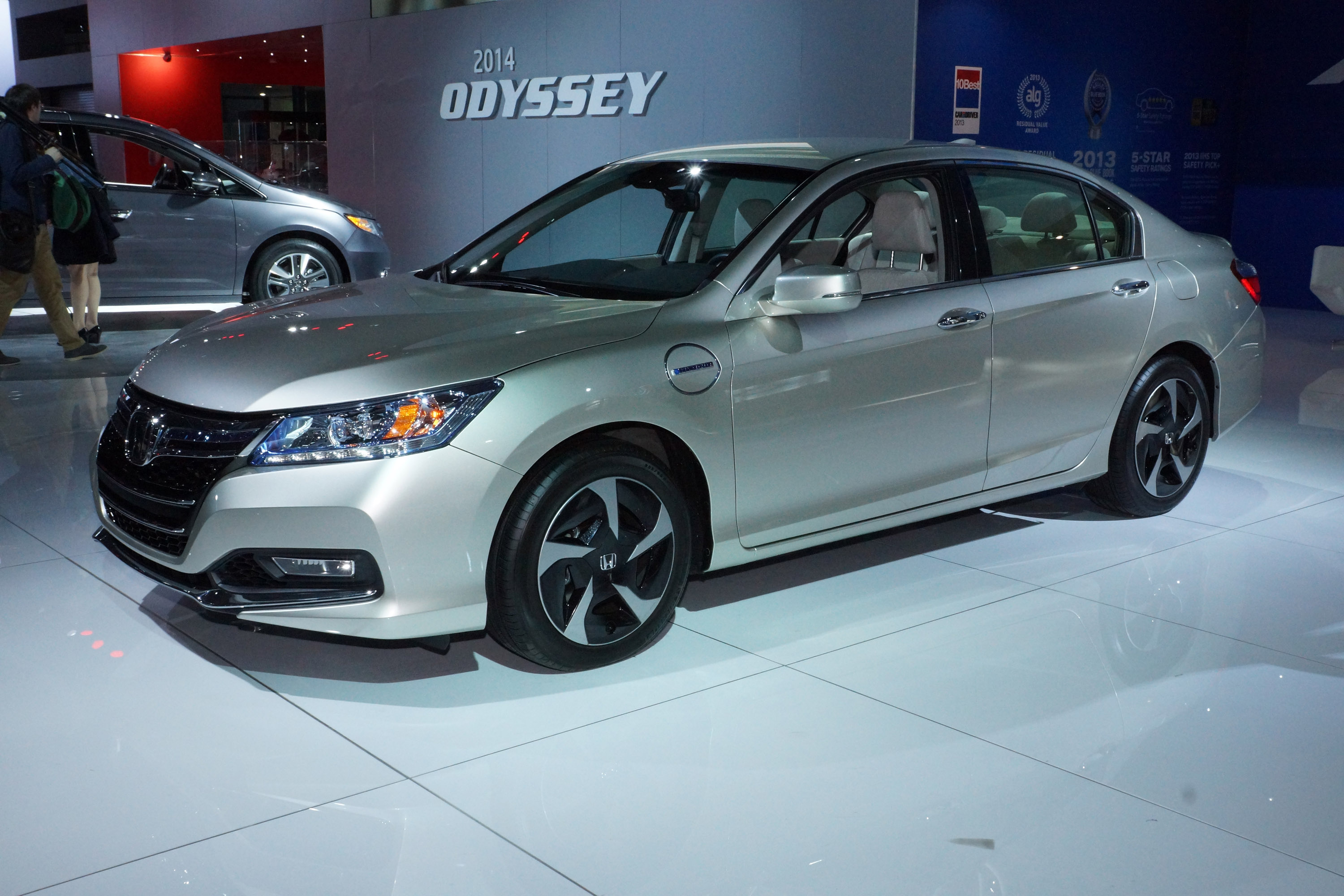 Honda Accord Hybrid New York 2013 Picture