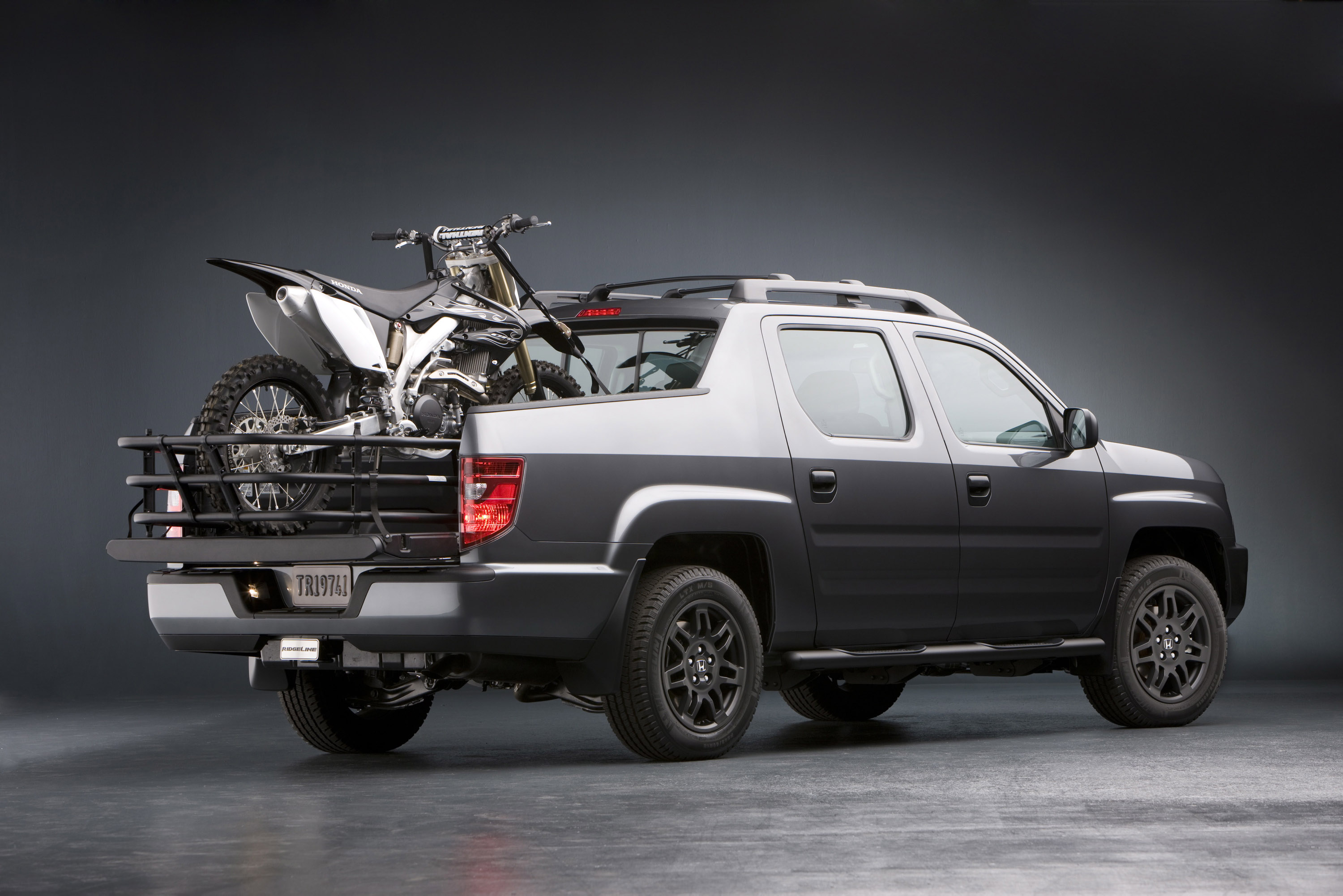 honda reveals accessory concepts for civic and ridgeline at 2008 sema show
