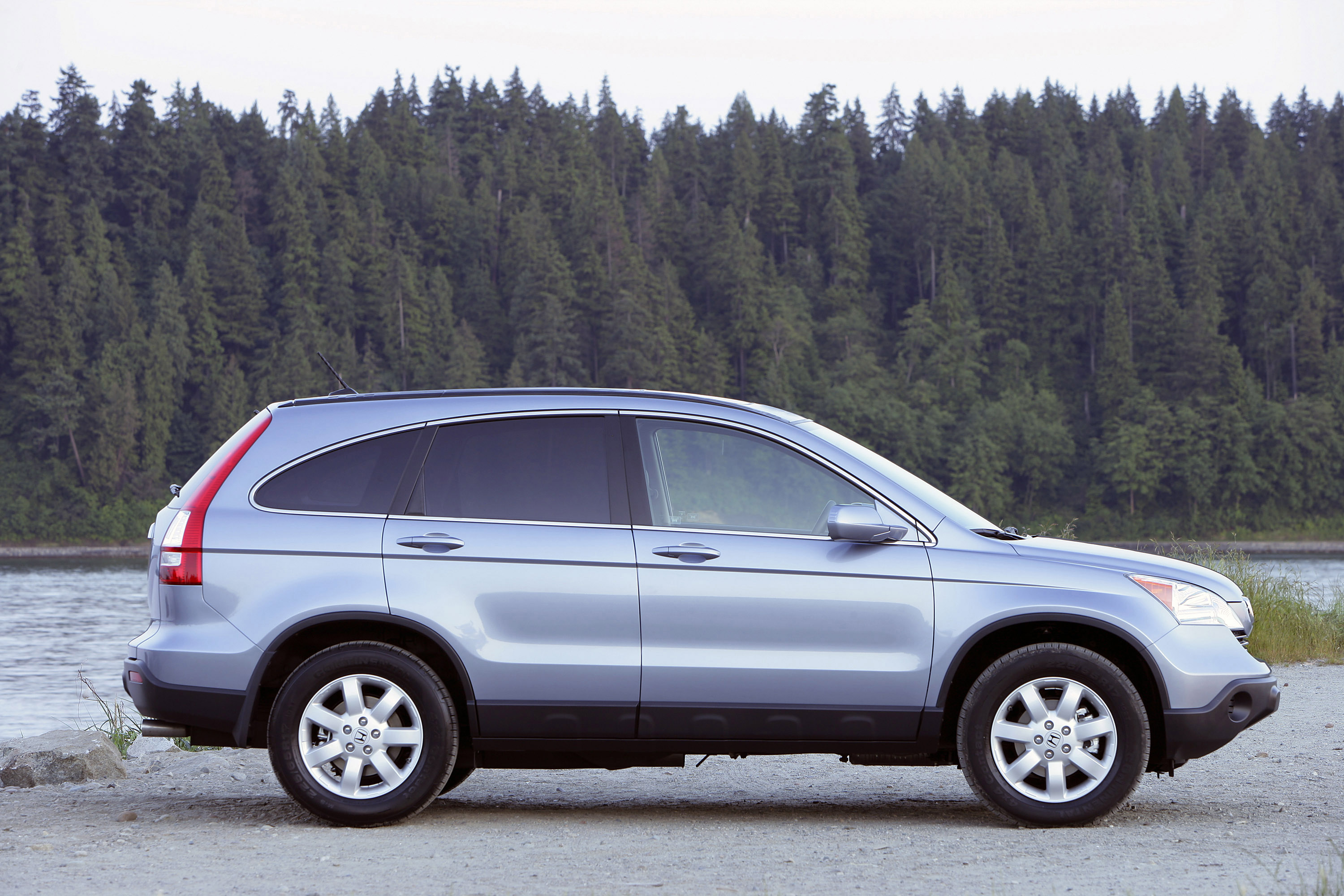 2009 honda cr v delivers refined and stylish approach to entry suv segment. Black Bedroom Furniture Sets. Home Design Ideas