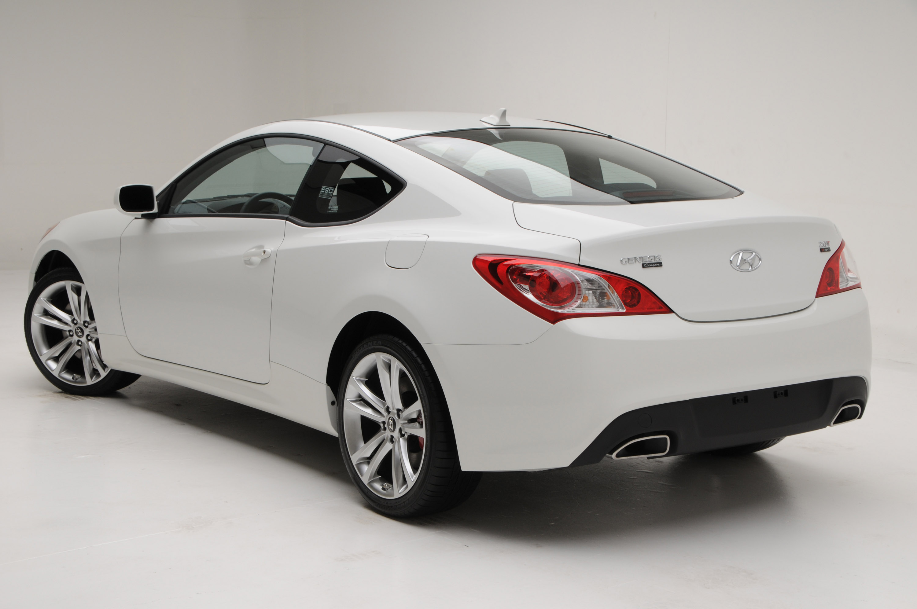 Hyundai Genesis Coupe   Grand Touring Review