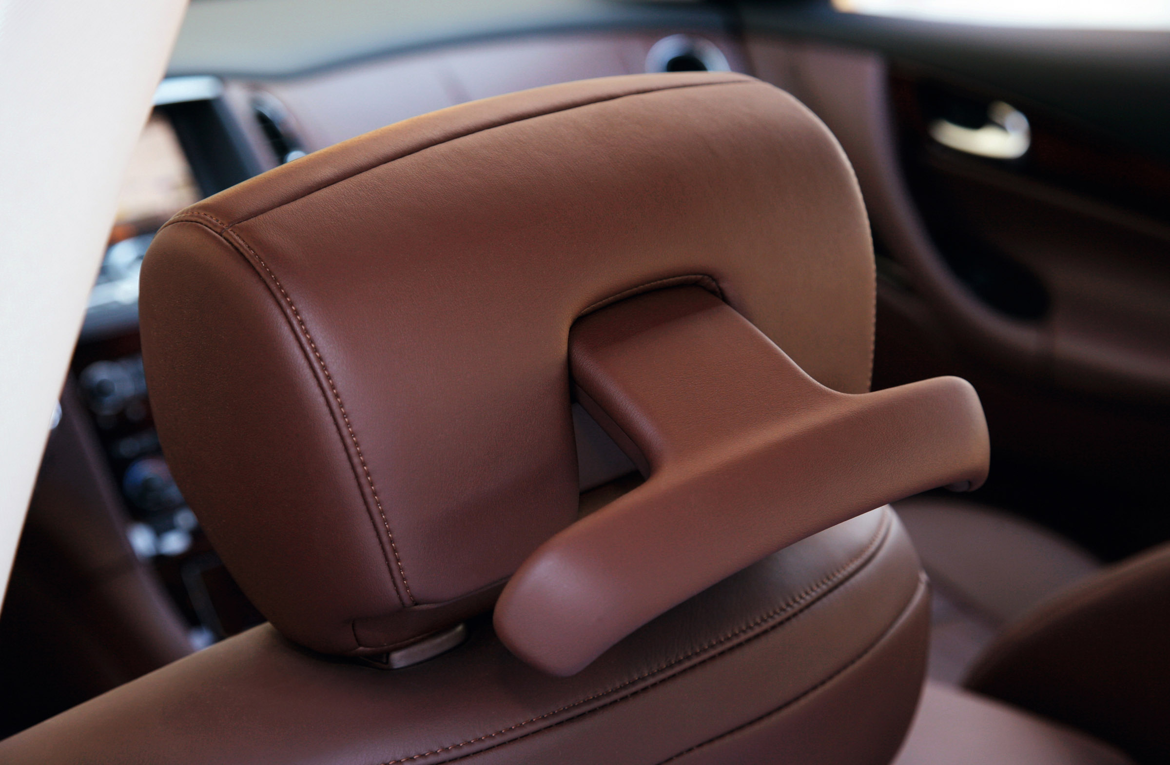 Coupe looks and crossover ability the versatile ex37 infiniti ex37 vanachro Images