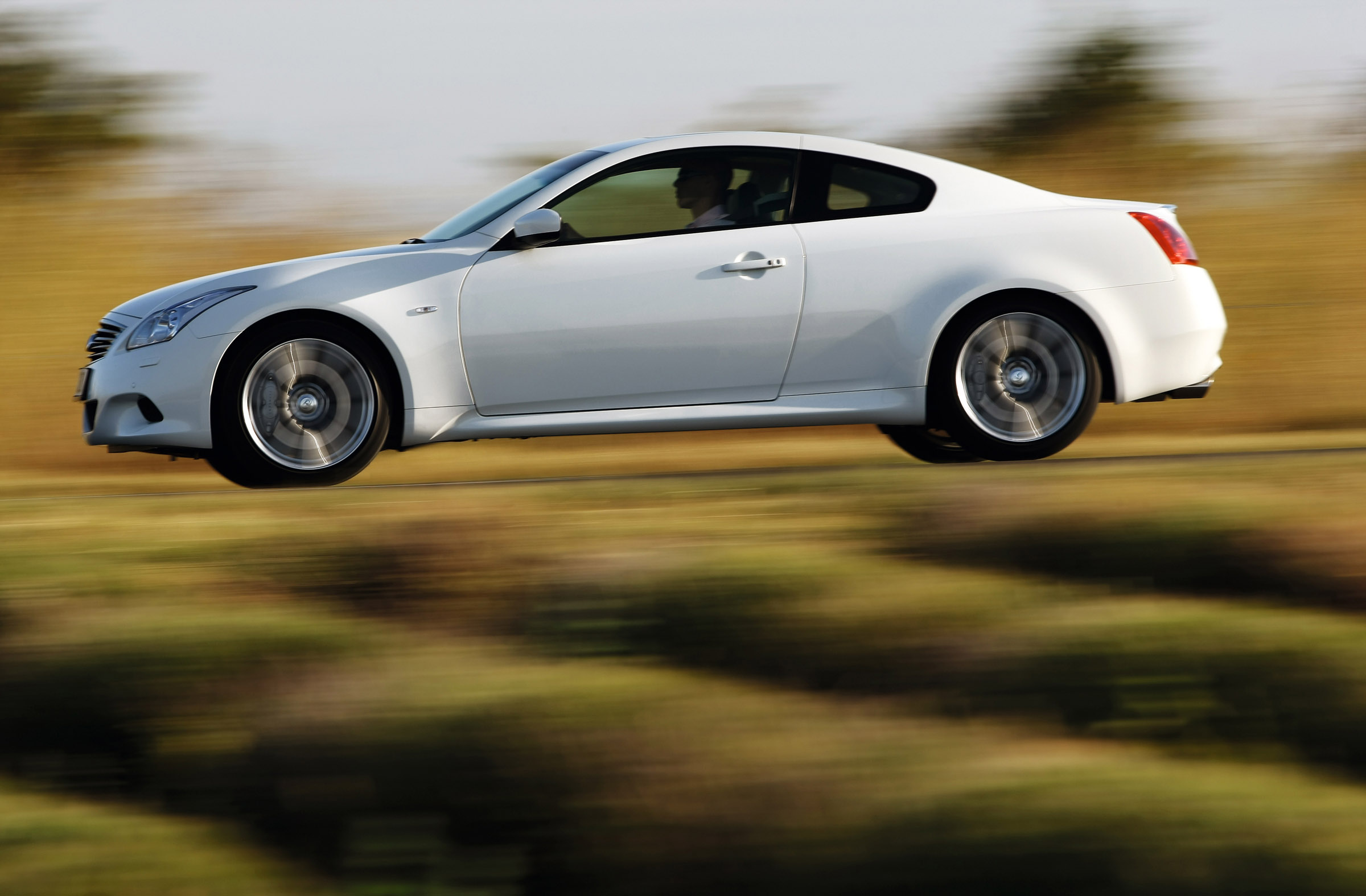 Infiniti g37 coupe the sophisticated sports coupe infiniti g37 coupe vanachro Choice Image
