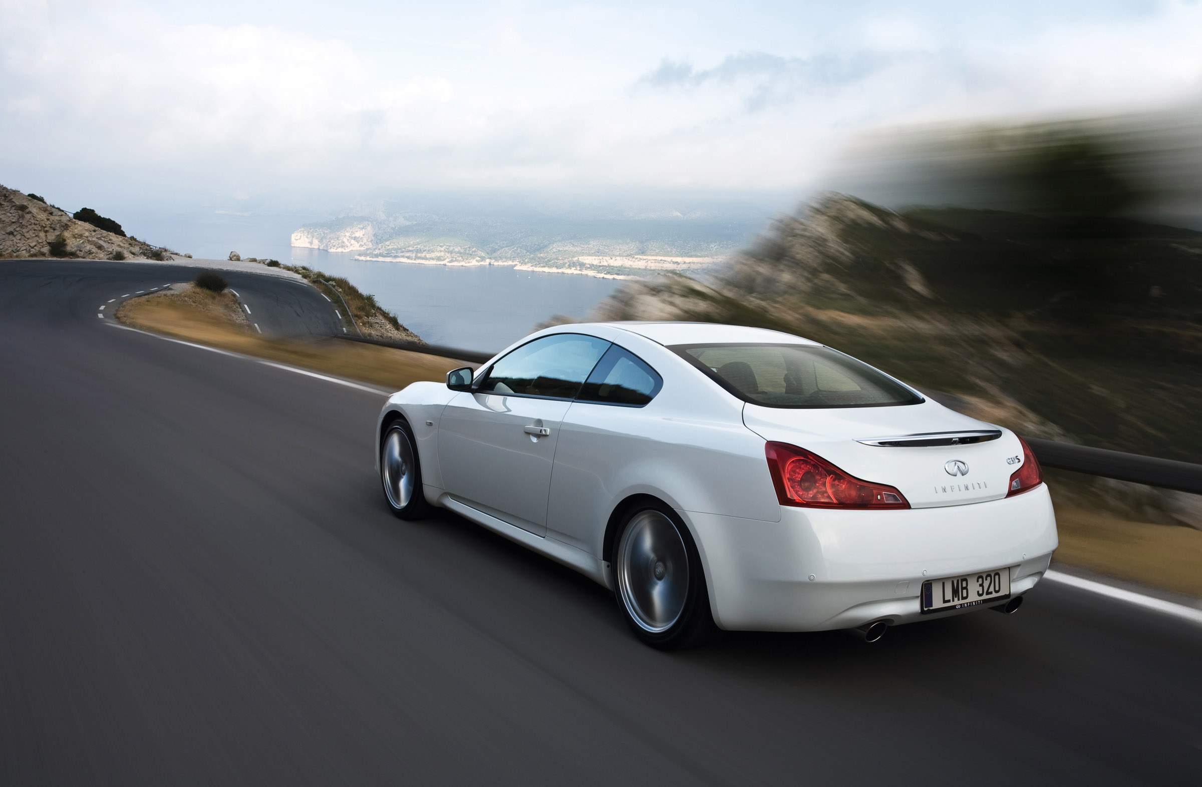 Infiniti G Coupe Review Car And Driver