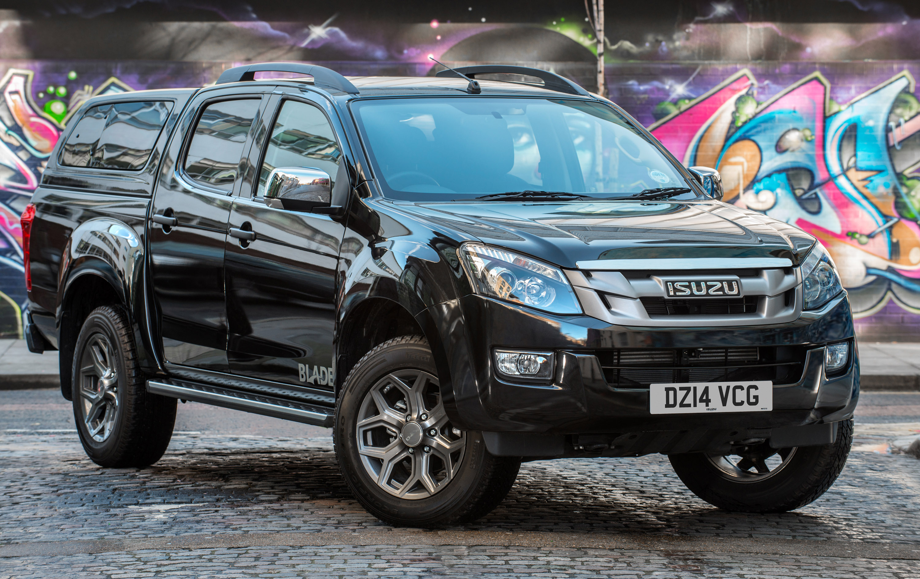 isuzu d max blade is a special edition pick up. Black Bedroom Furniture Sets. Home Design Ideas