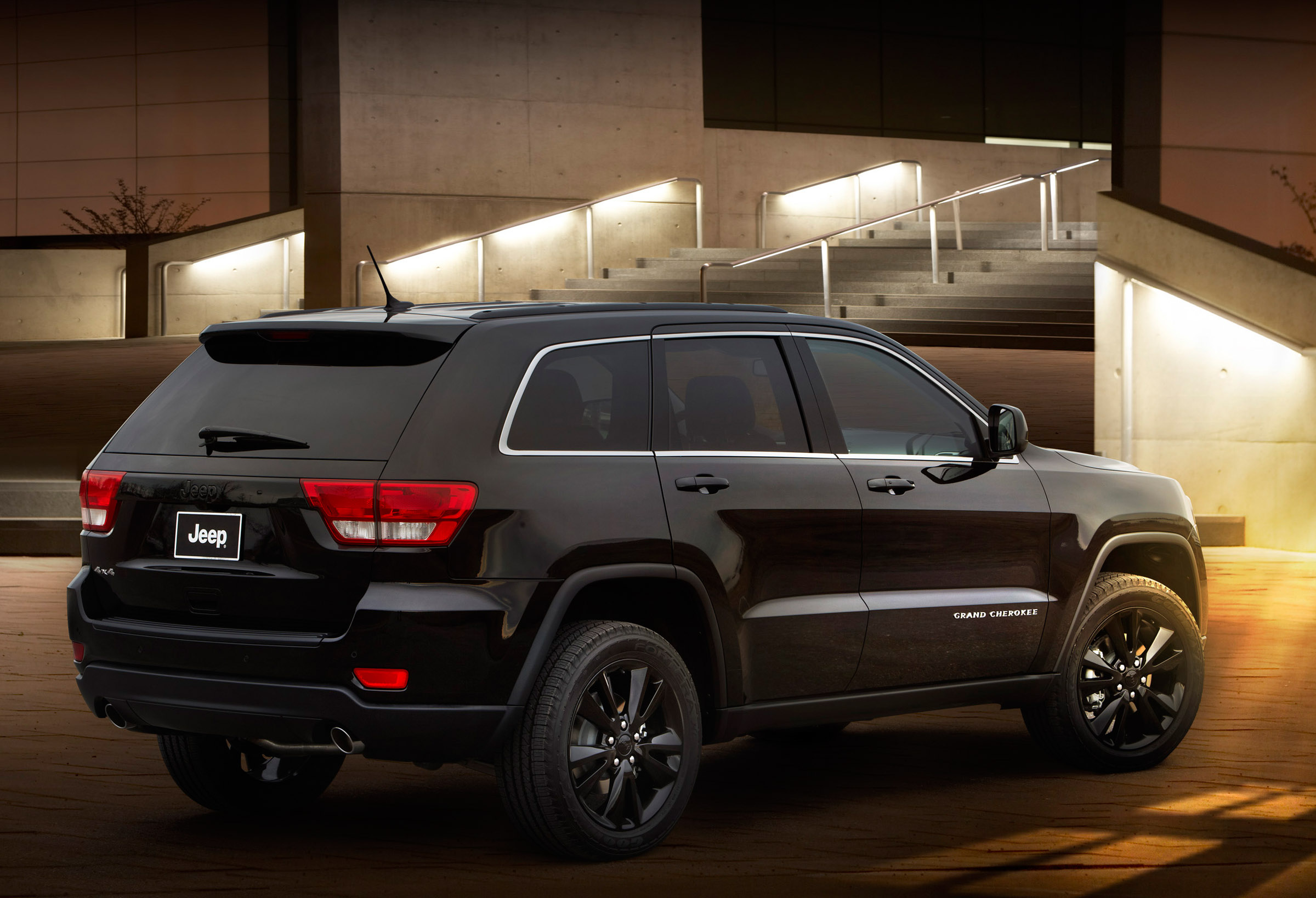 Jeep Grand Cherokee S Wrangler Mountain And Compass Black
