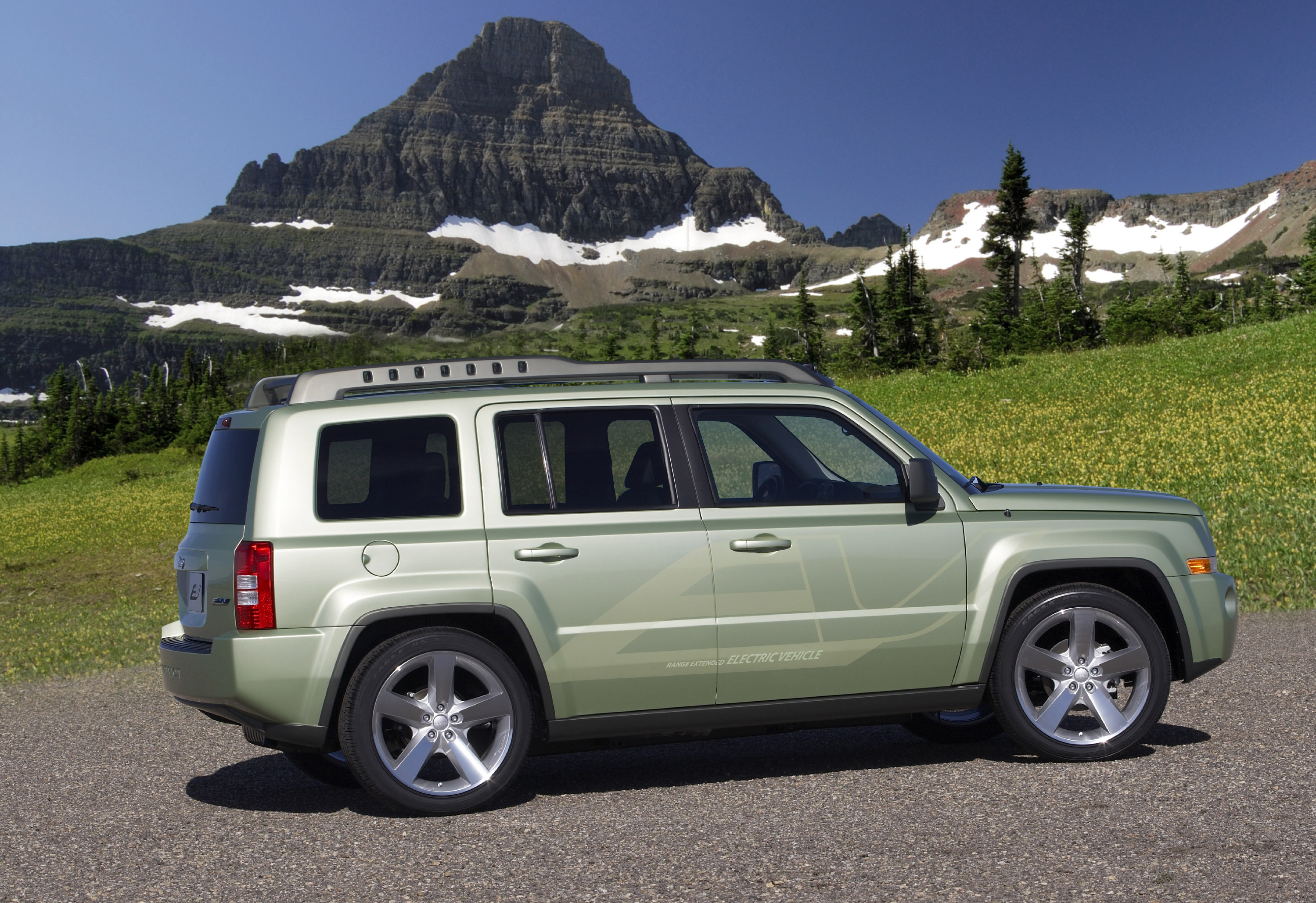 Chrysler Showcases Its Electric Vehicle Future At 2009