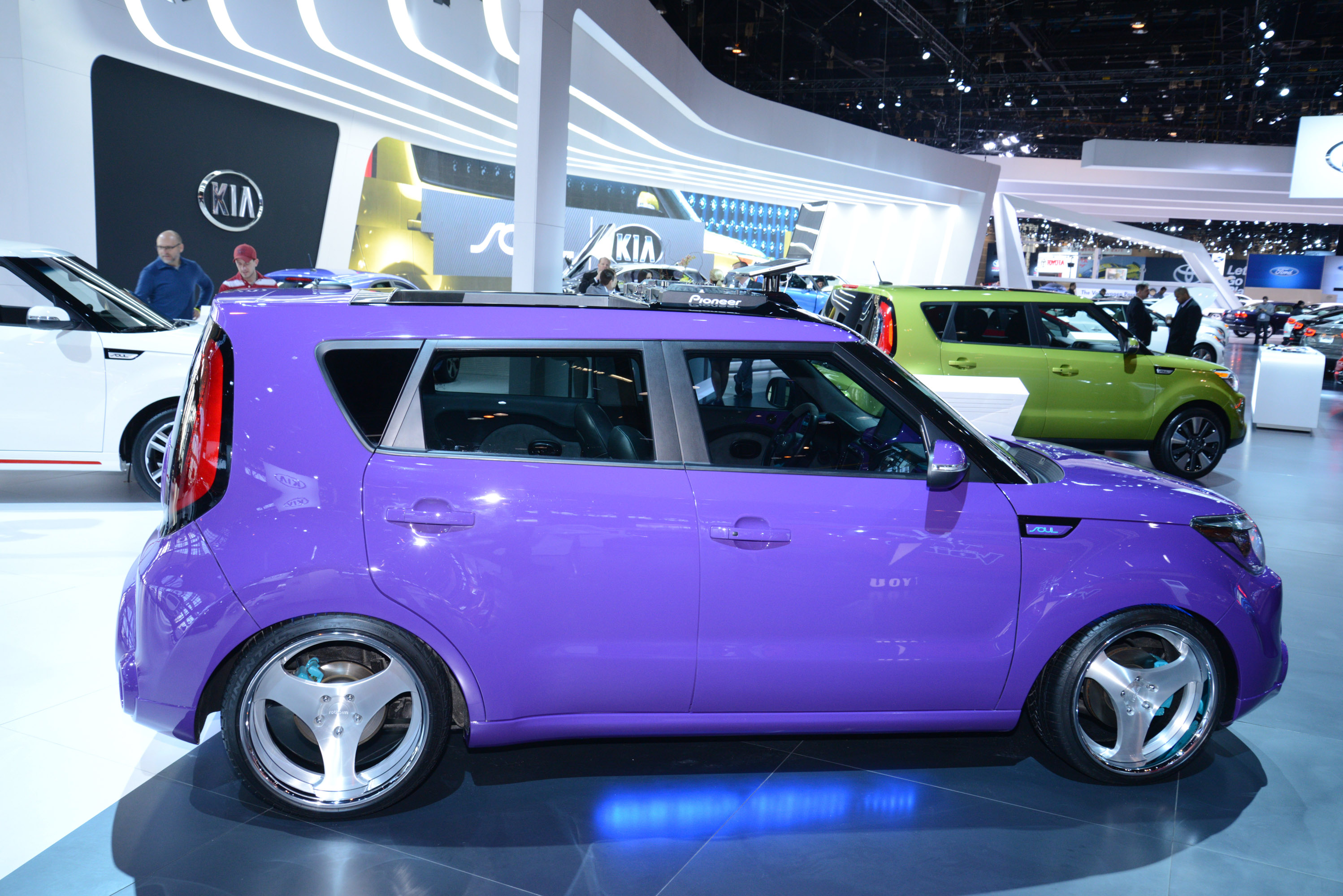 2014 kia soul review specs pictures mpg price car interior design. Black Bedroom Furniture Sets. Home Design Ideas