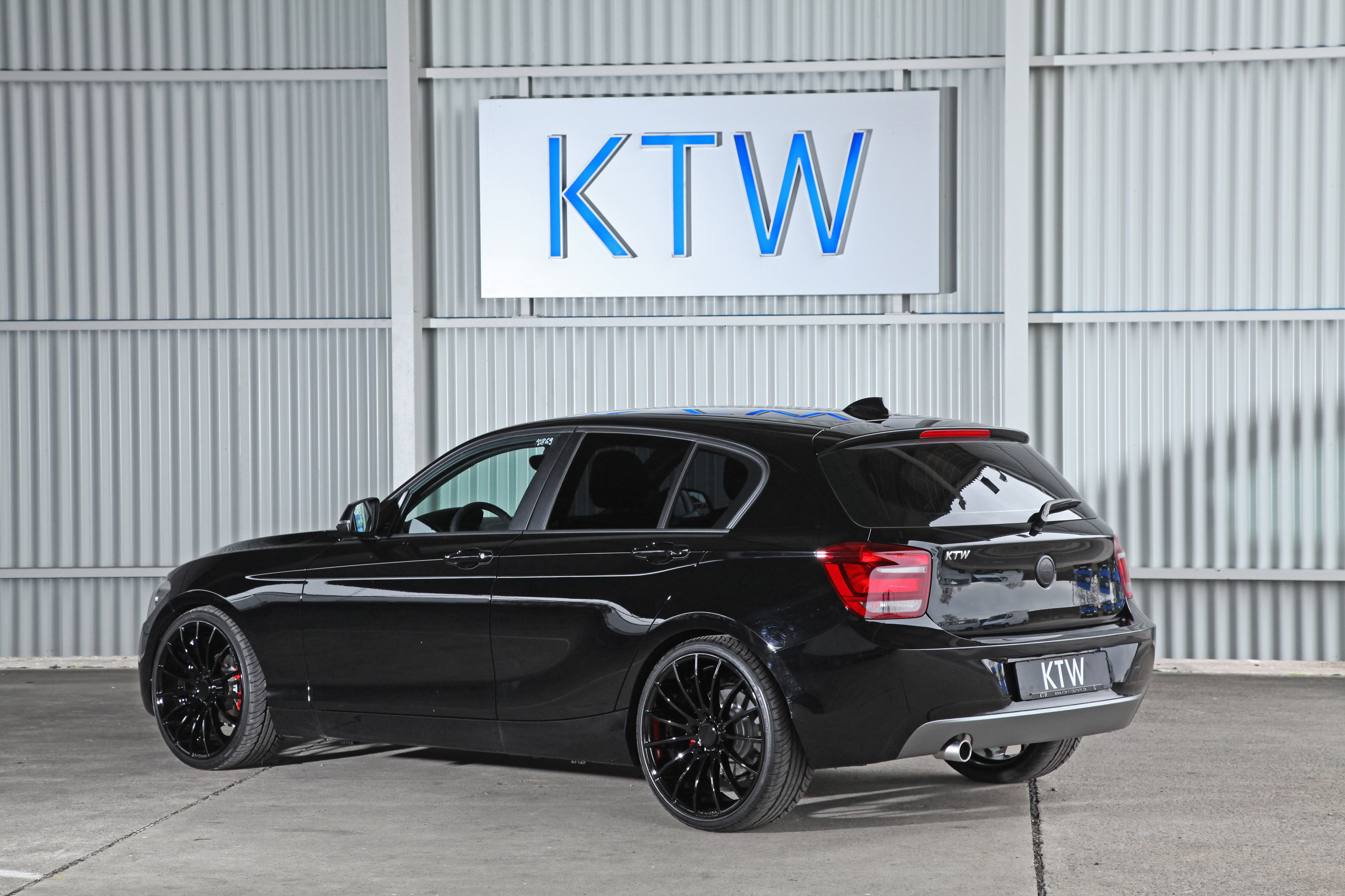KTW BMW Series Black And White Picture - All black bmw