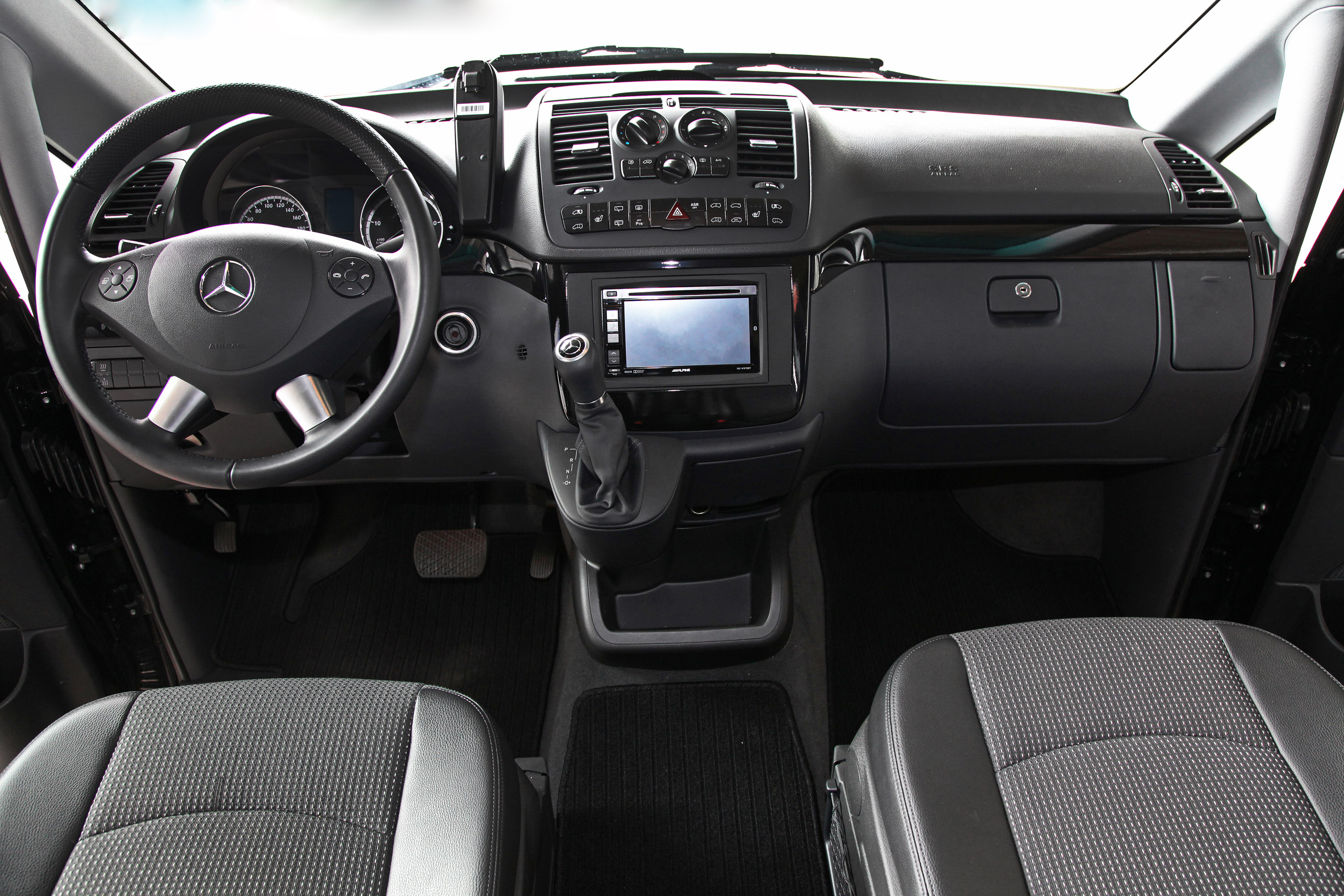 Mercedes benz viano by ktw tuning for Interior mercedes viano
