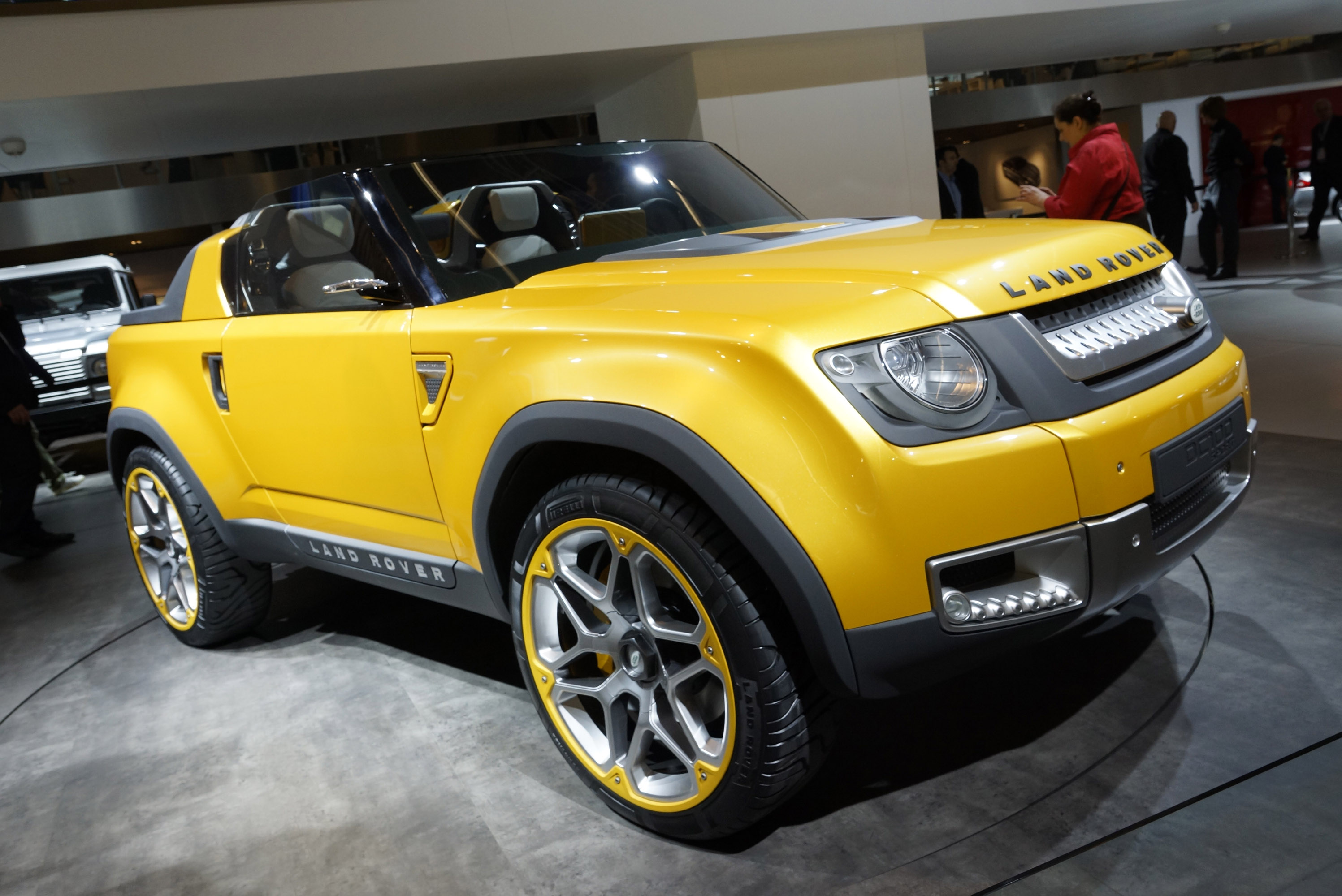 https://www.automobilesreview.com/gallery/land-rover-defender-dc100-sport-frankfurt-2011/land-rover-defender-dc100-sport-frankfurt-2011-02.jpg