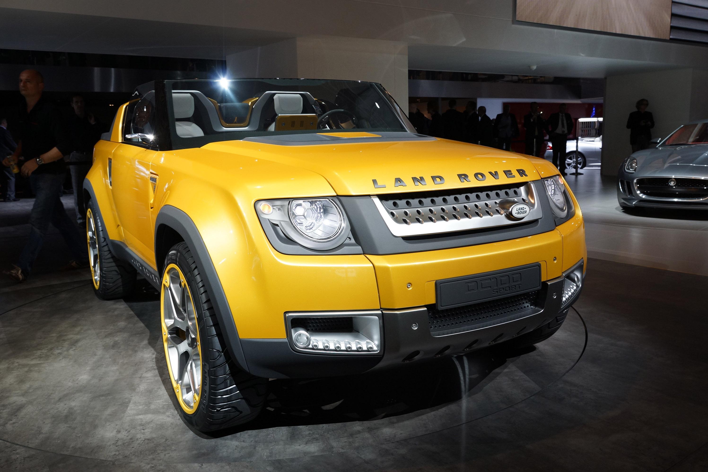 https://www.automobilesreview.com/gallery/land-rover-defender-dc100-sport-frankfurt-2011/land-rover-defender-dc100-sport-frankfurt-2011-03.jpg